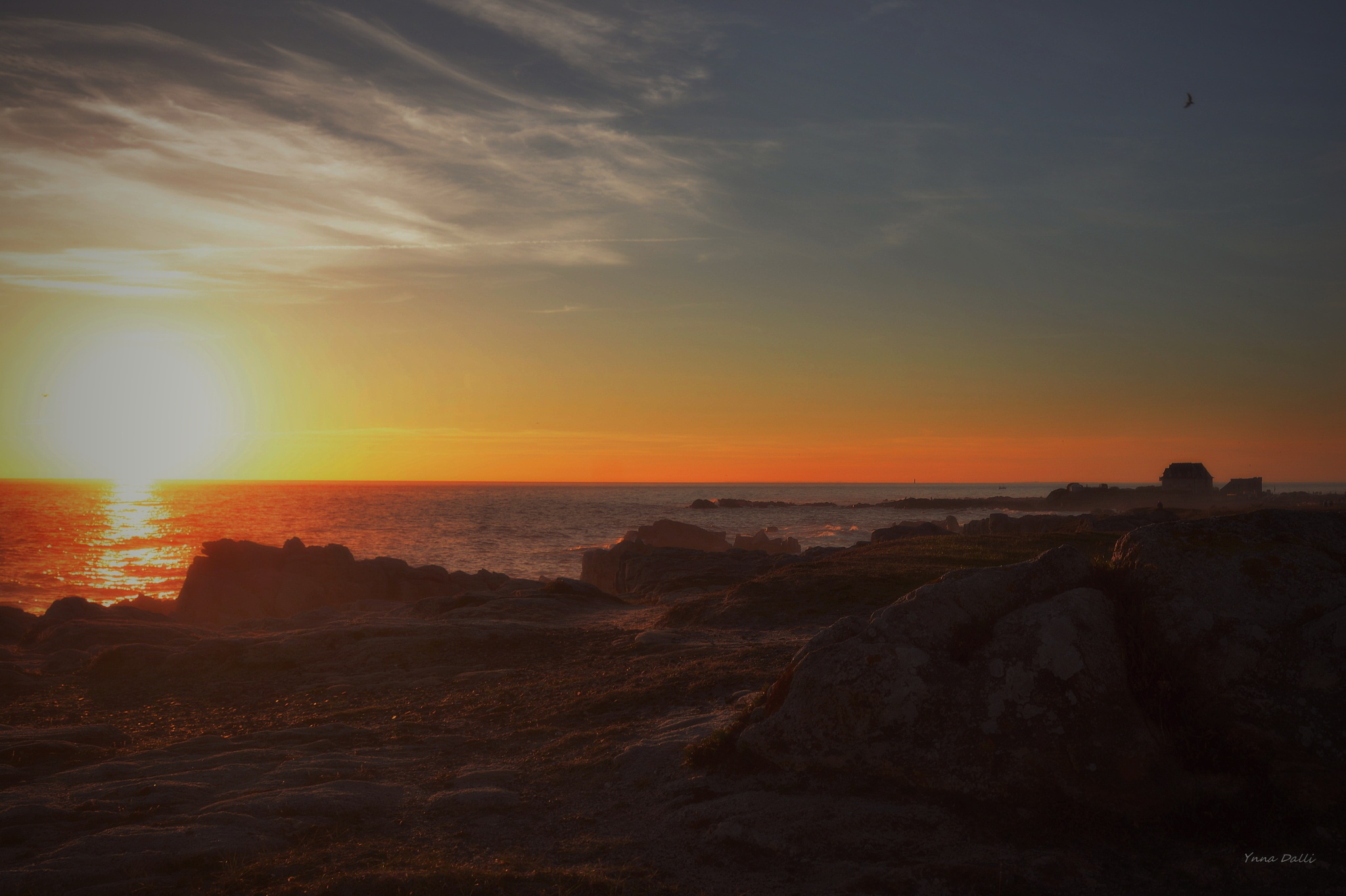 Coucher de soleil dans le brouillard ...    ocean atlantique by YnnaDalli