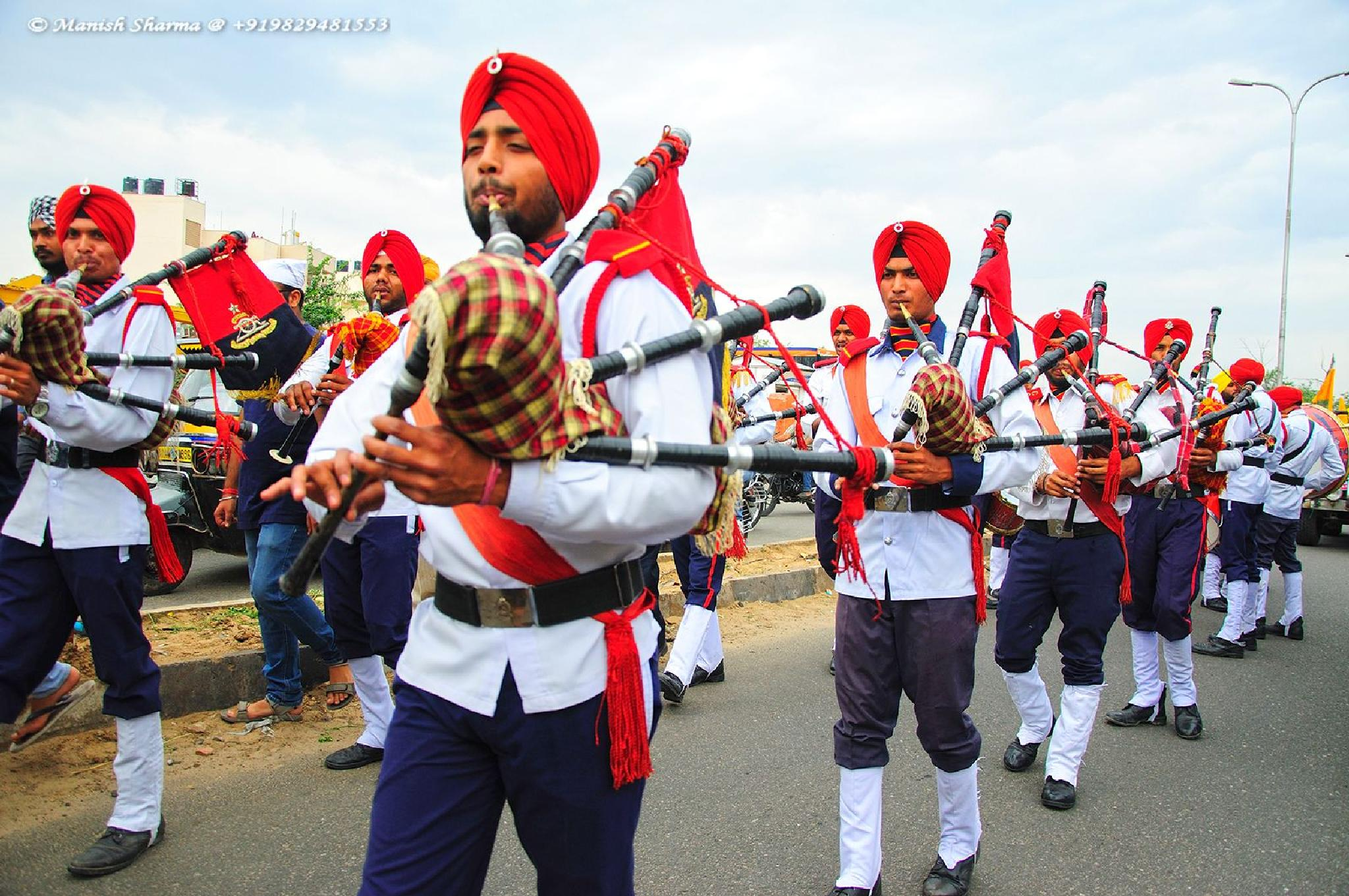Military band in Pink City, Jaipur, India by Maneesh Sharma