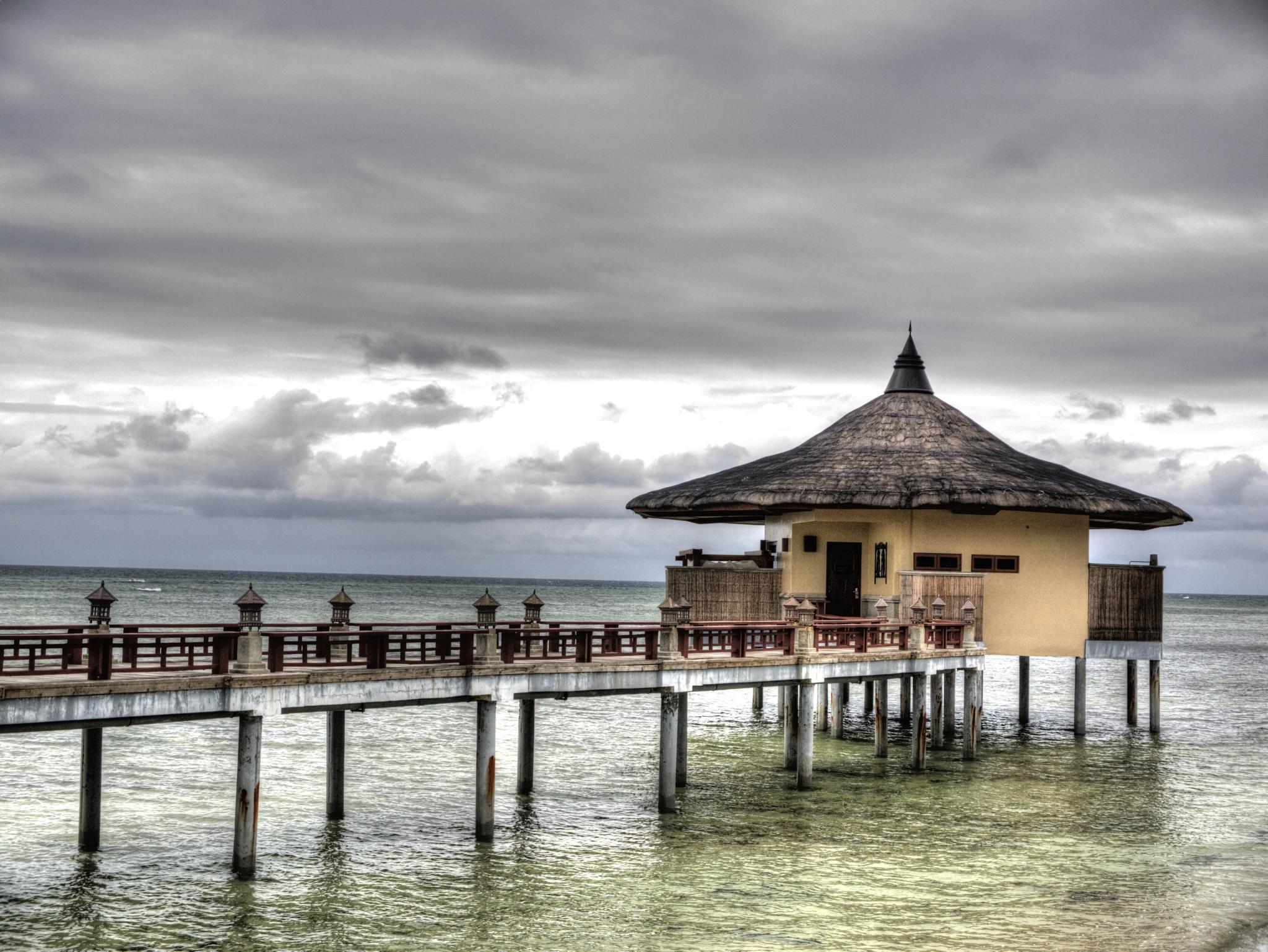 Balesin Beach 5 by Raymund Vasquez