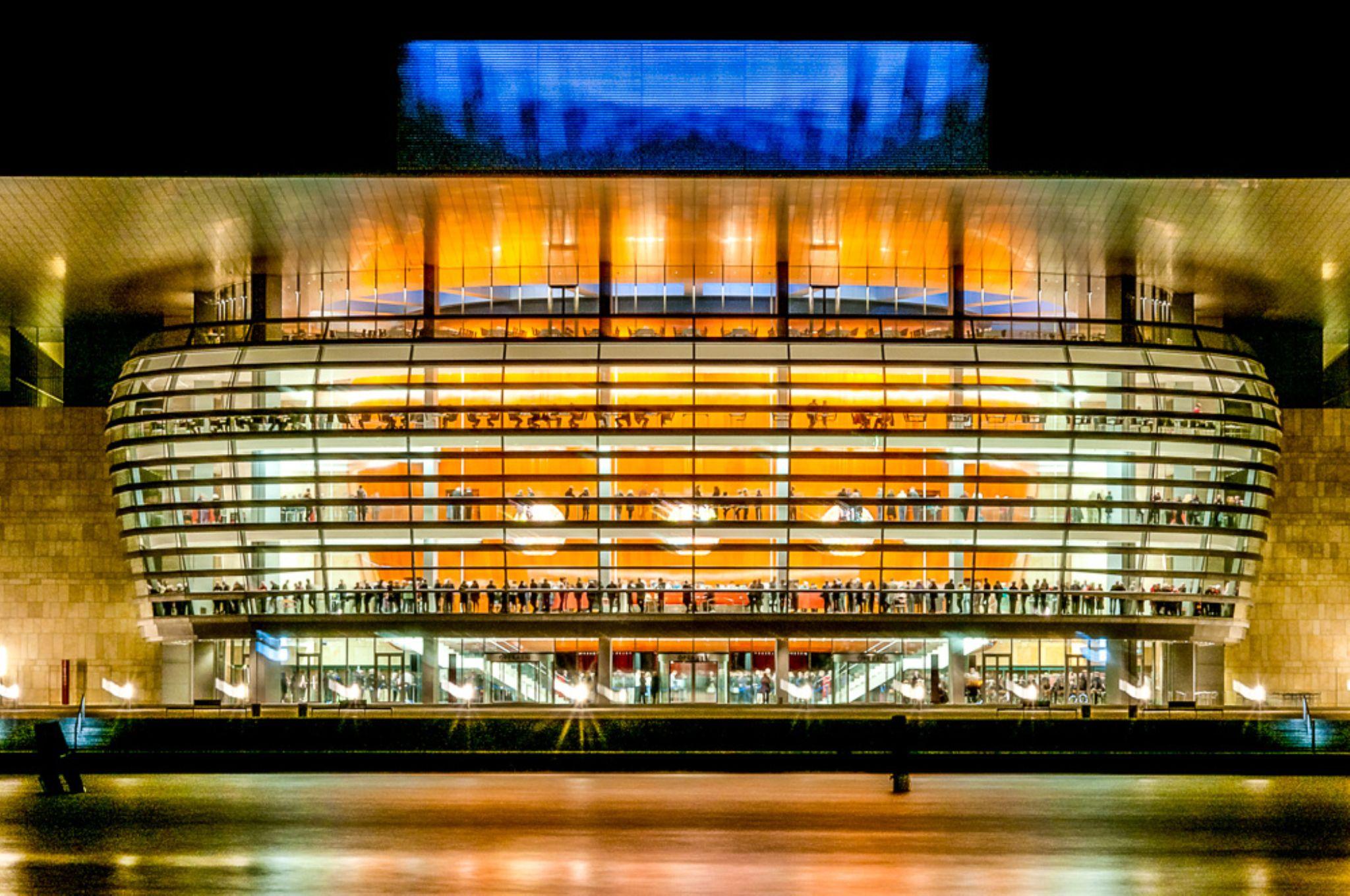 Opera house at break by michaelinitaly