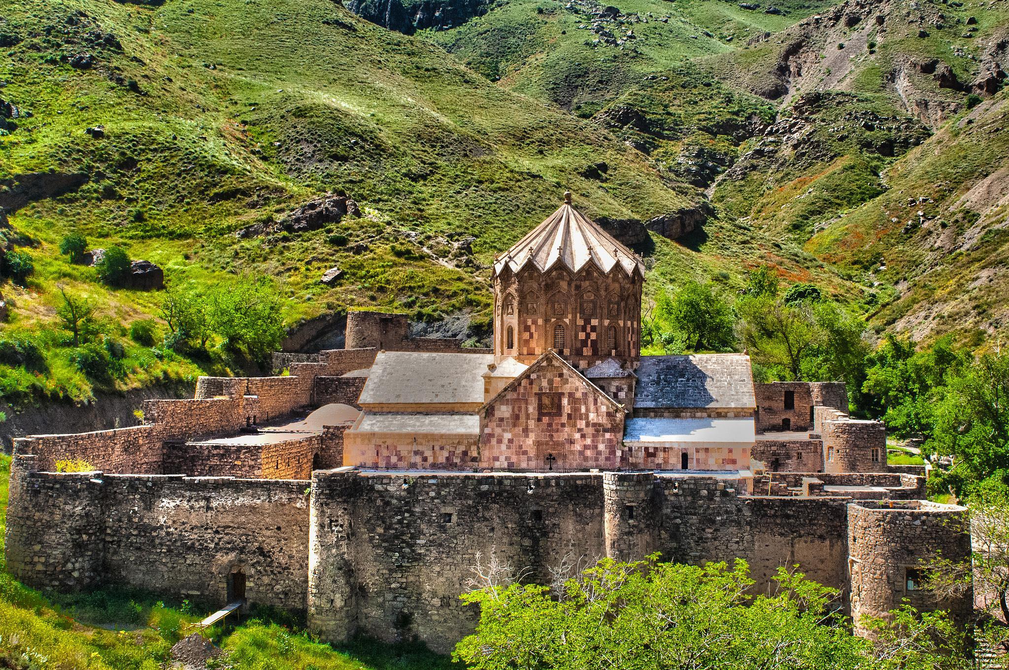 Saint Stepanos Monastery 01 by Mehrdad Bathaee