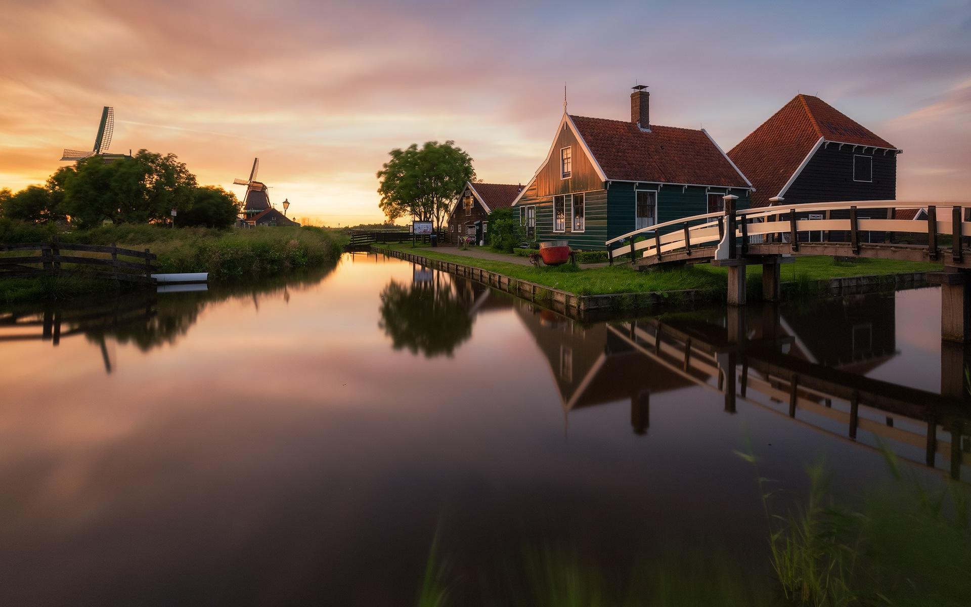 Zaanse Schans Sunset by Tomaž Klemenšak