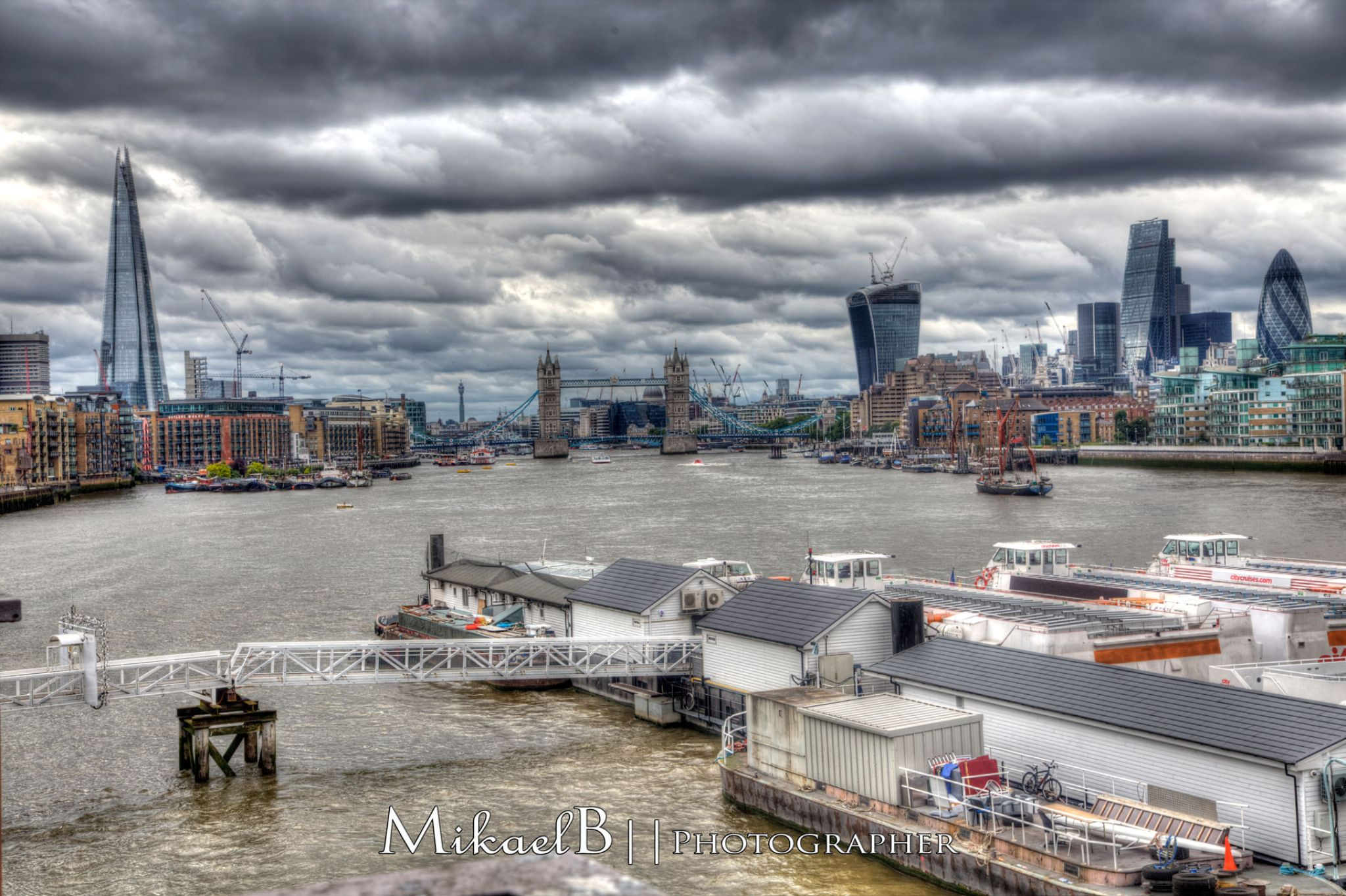 The Thames by Mikaelb