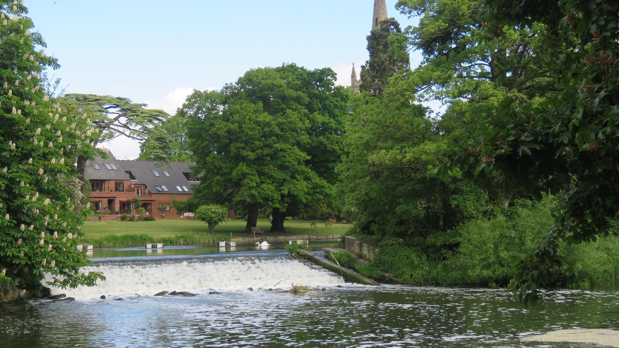 Weir at Stratford upon Avon  by Nige Photography
