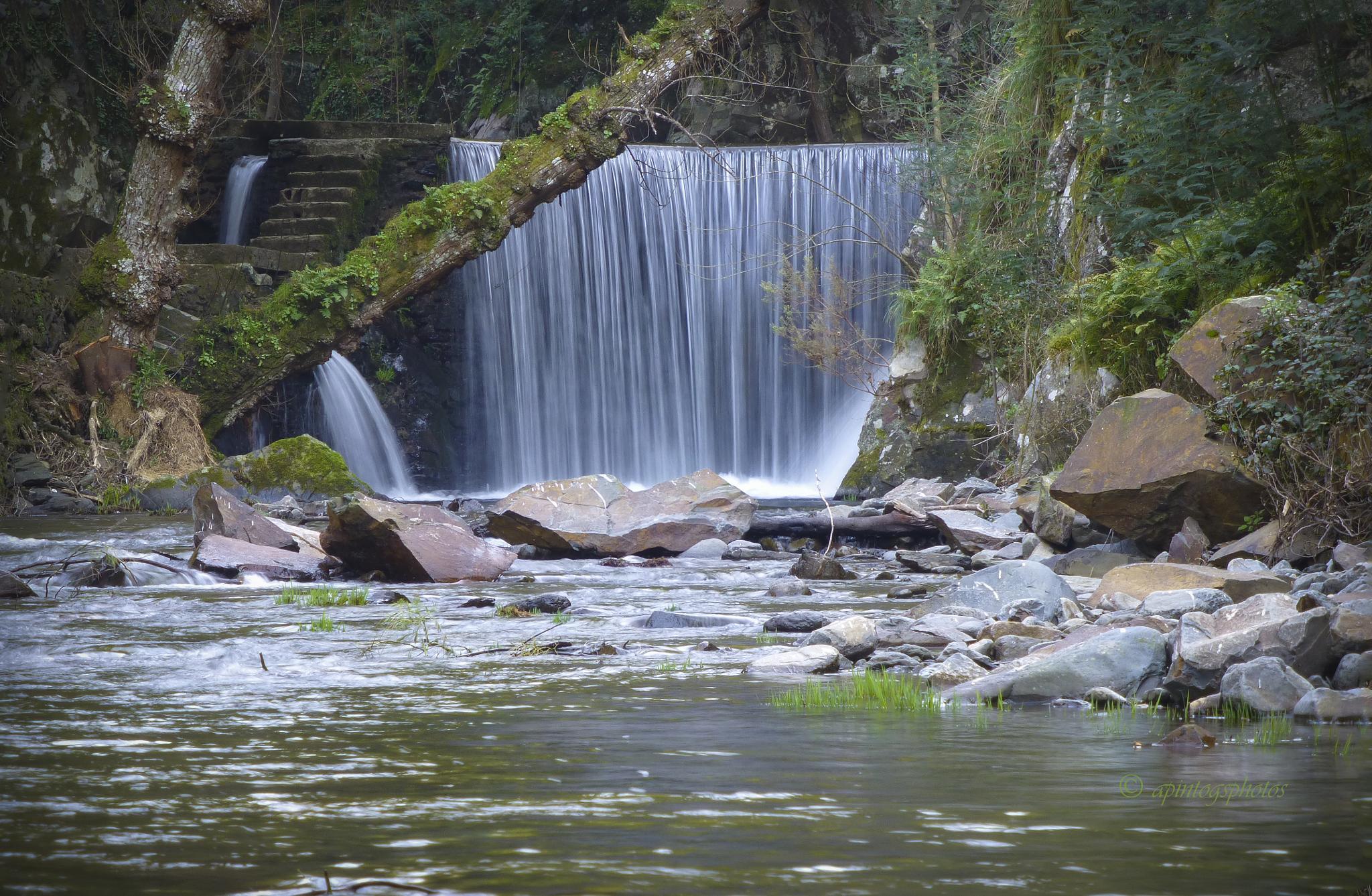 water reservoir by apintogsphotos