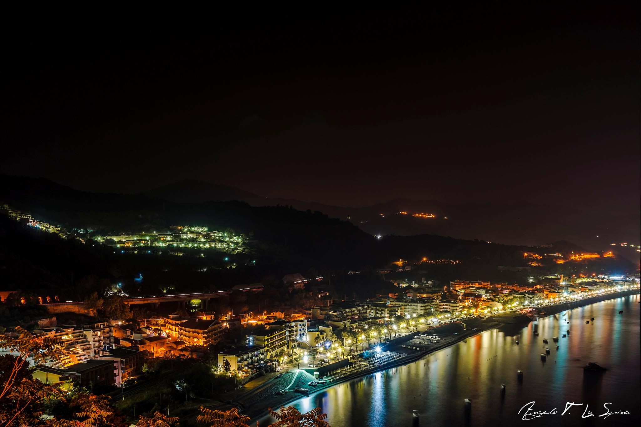 Sant'Alessio Siculo by night by tecchese