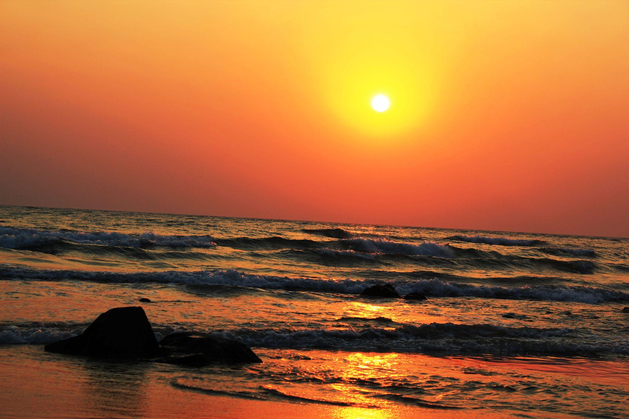 Sun is going to sea by vivekshrotiya