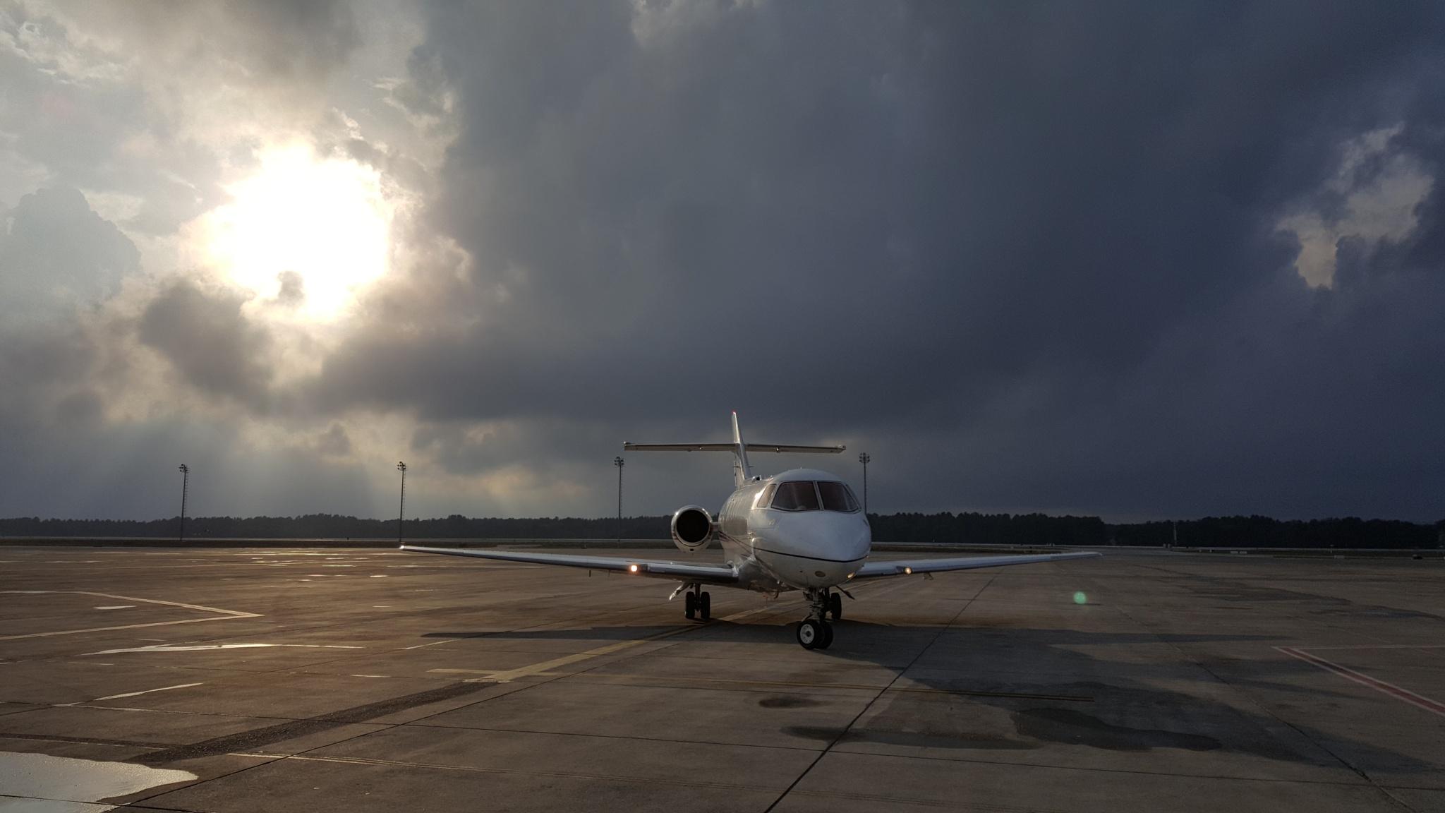 Airport by  Mert Ozbekligil