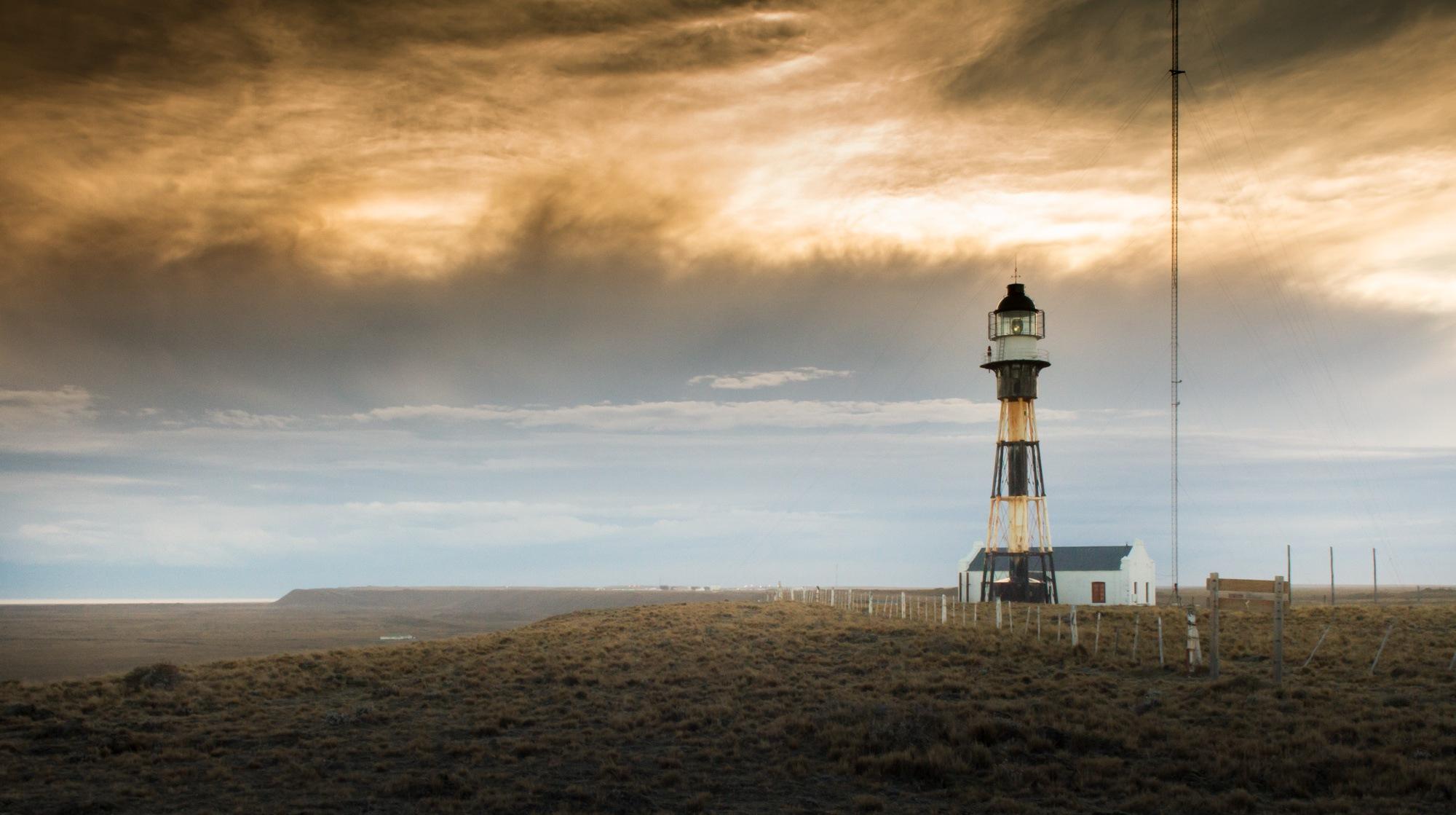 C2-CABO VIRGENES-Faro Cabo Virgenes atardecer de tormenta-2015-ARIEL PILUSO-IMG_1778 by Ariel Piluso