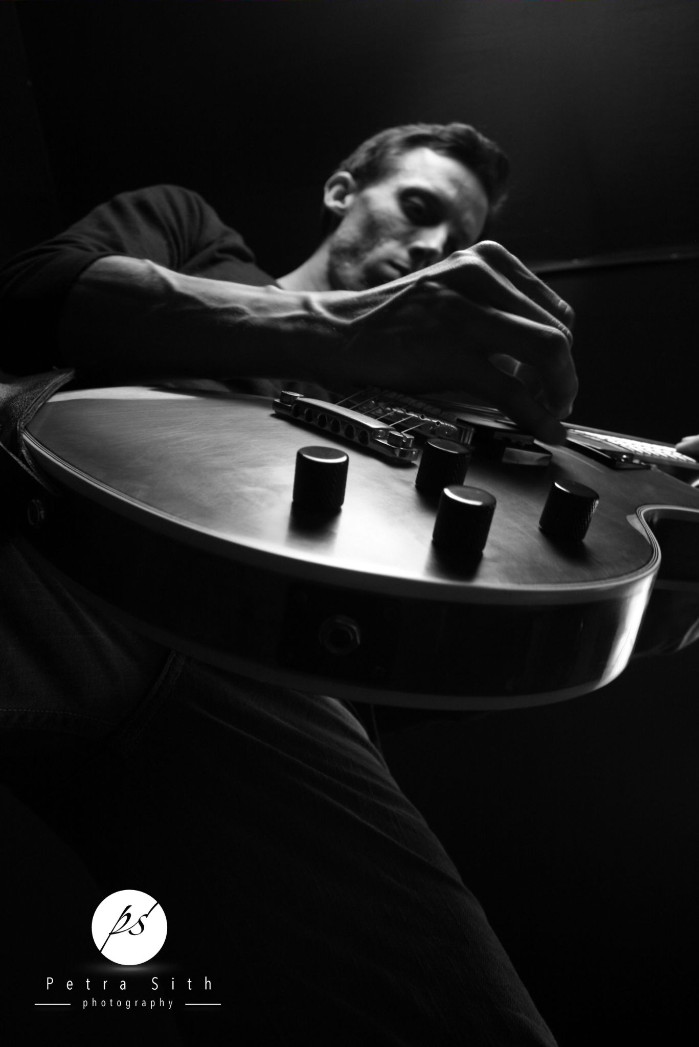 Love My Guitar 2 - www.petrasith.com by Petsit01