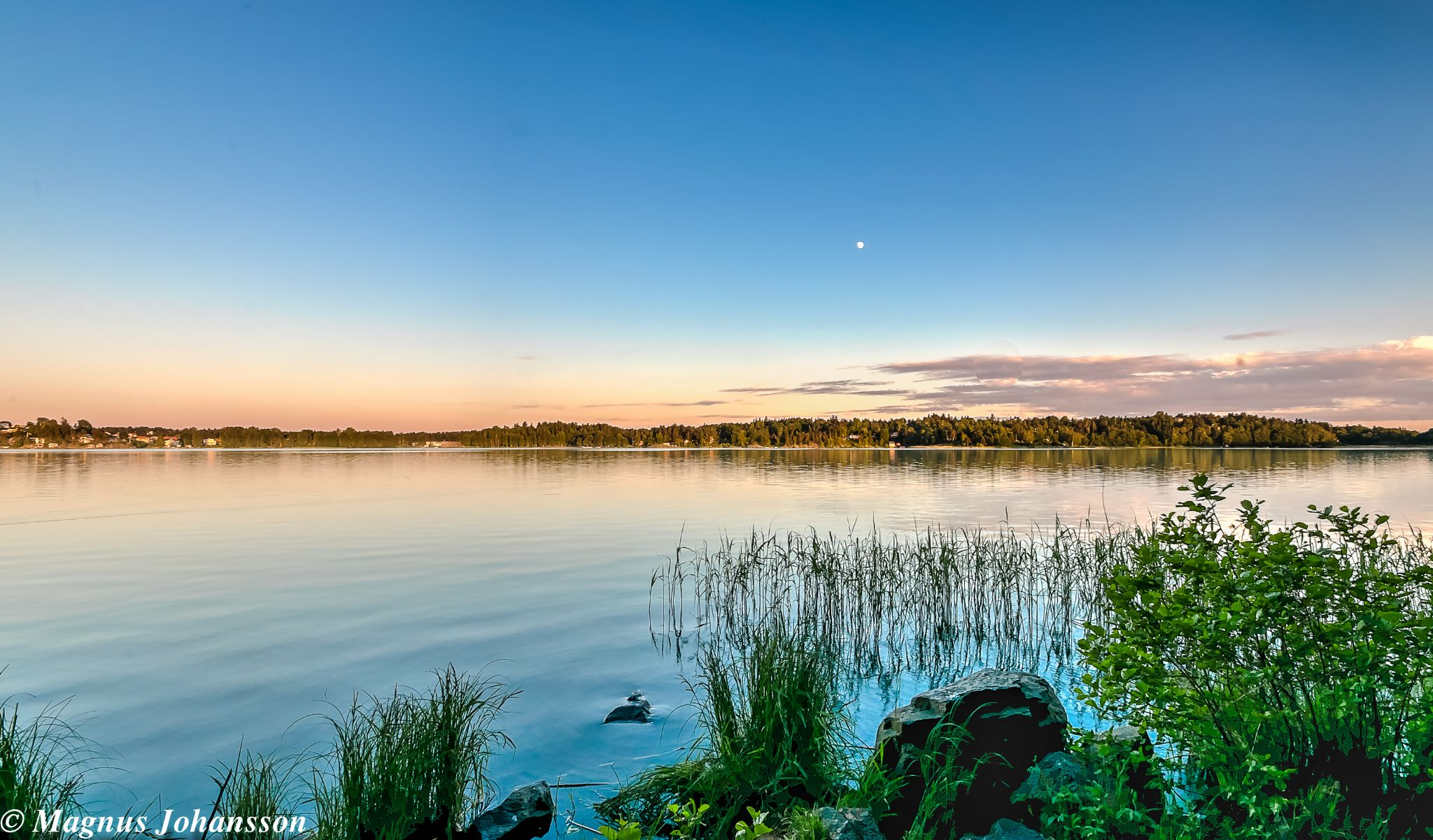 lake by MangeNikon