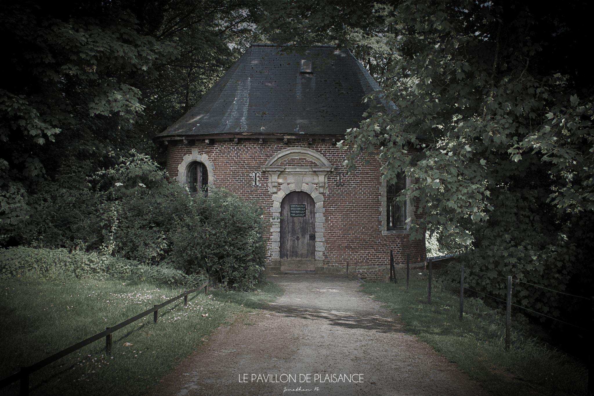 Le Pavillon De Plaisance by Jonathan B