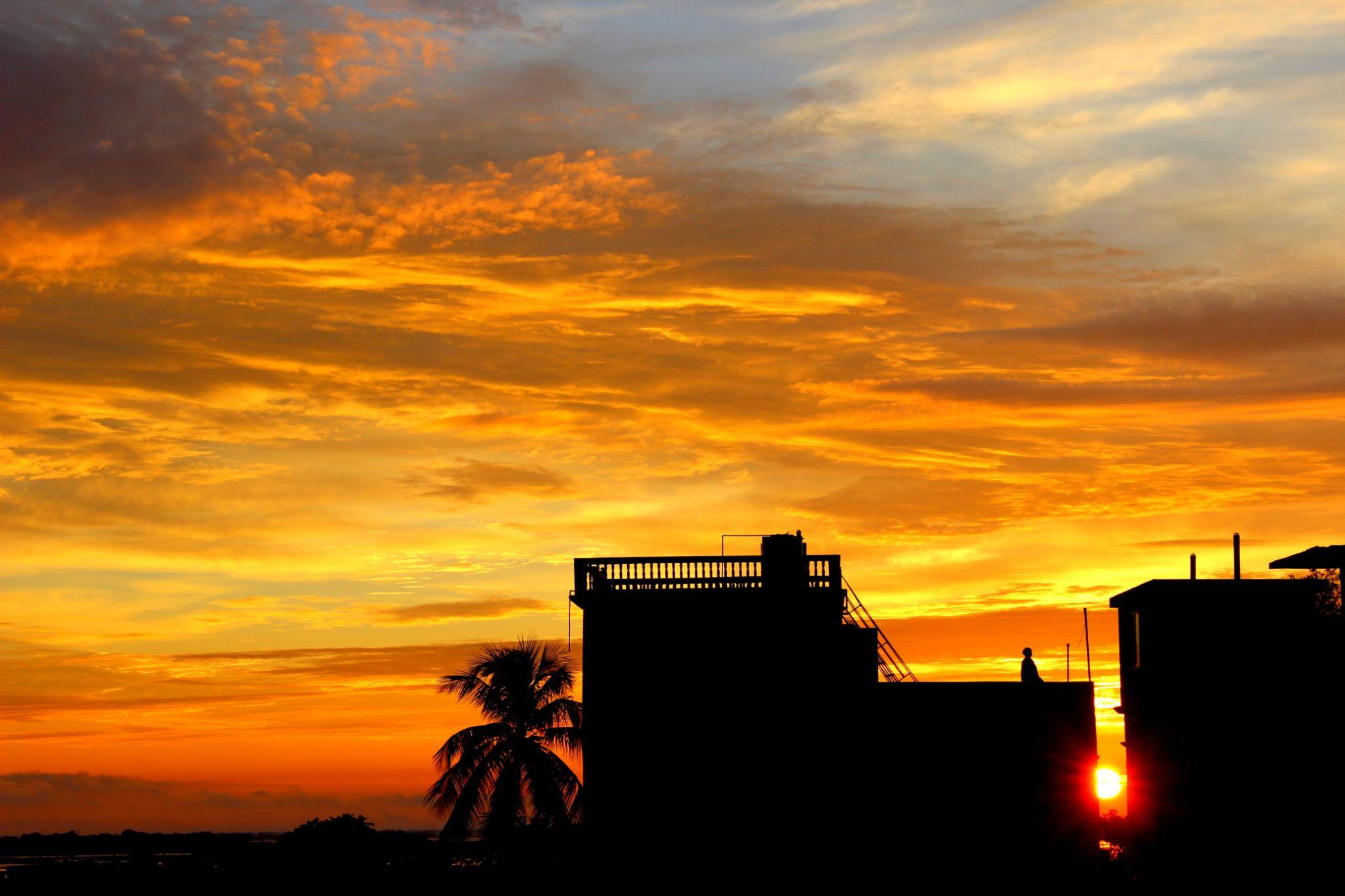 Urban Sunrise by shauradip.mazumder