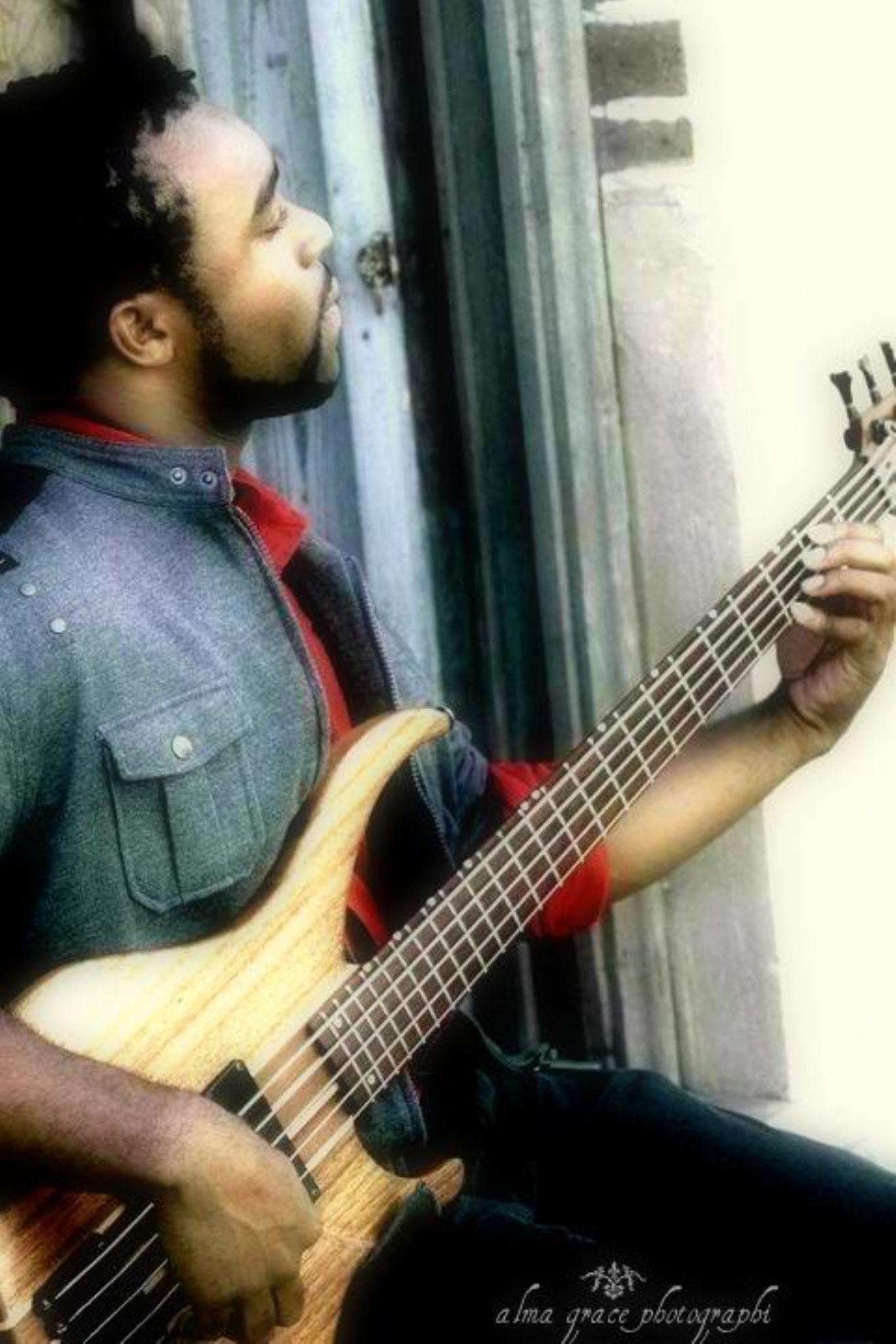 Guitar Man by cristirenea