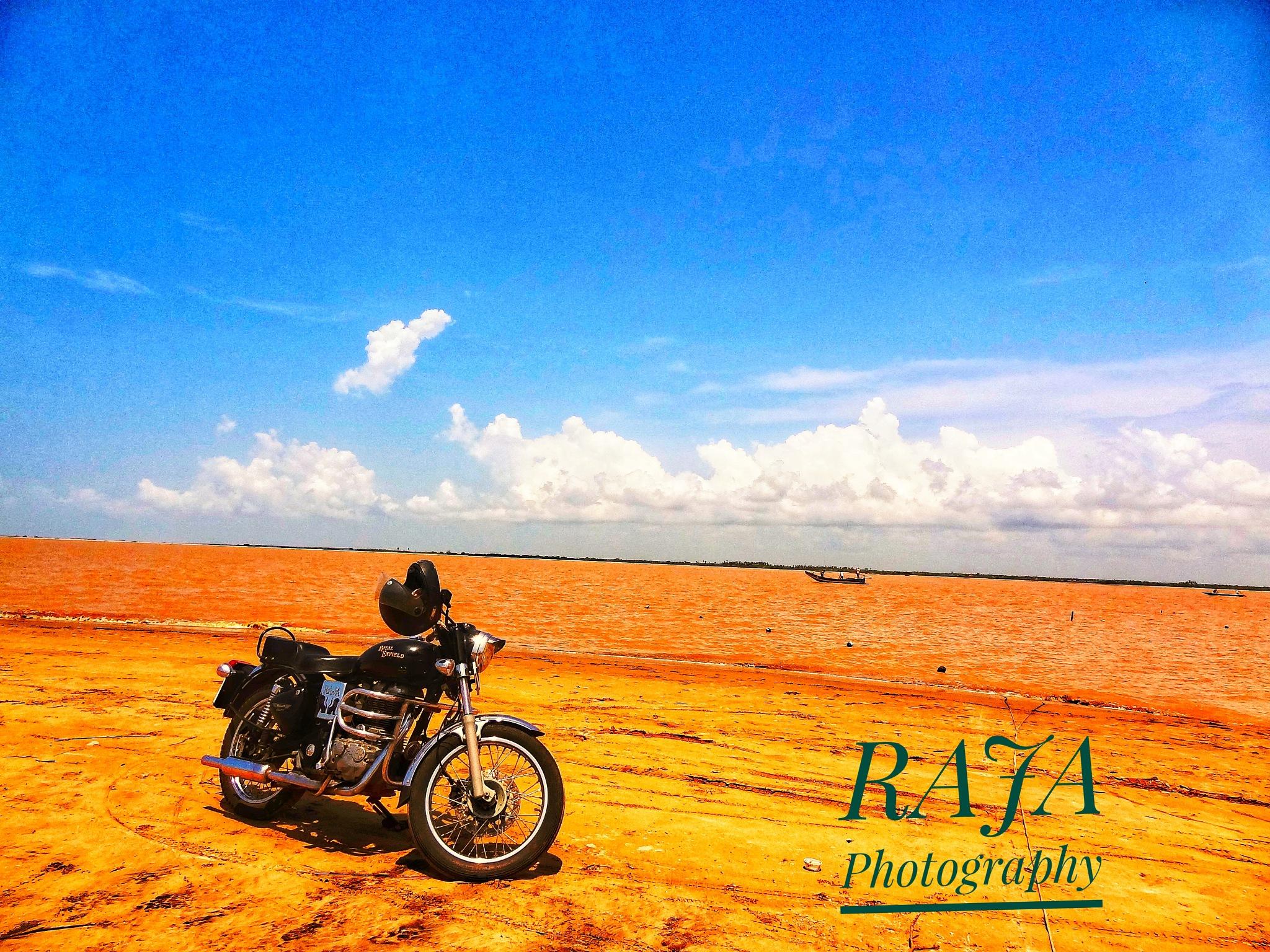 Royal enfield by V S Rajesh Kusu 【RAJA】