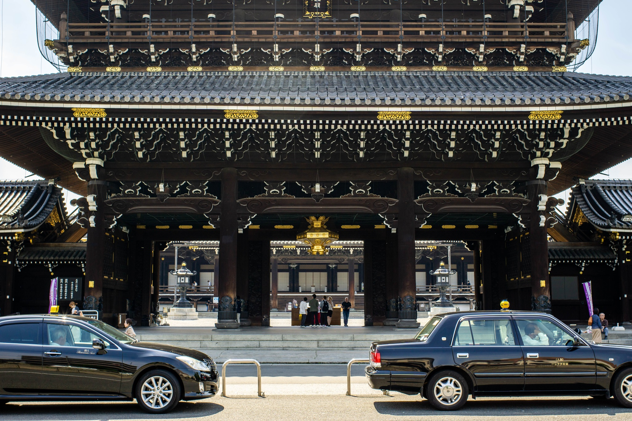 Higashi Honganji Founder's Hall Gate by Shumiku