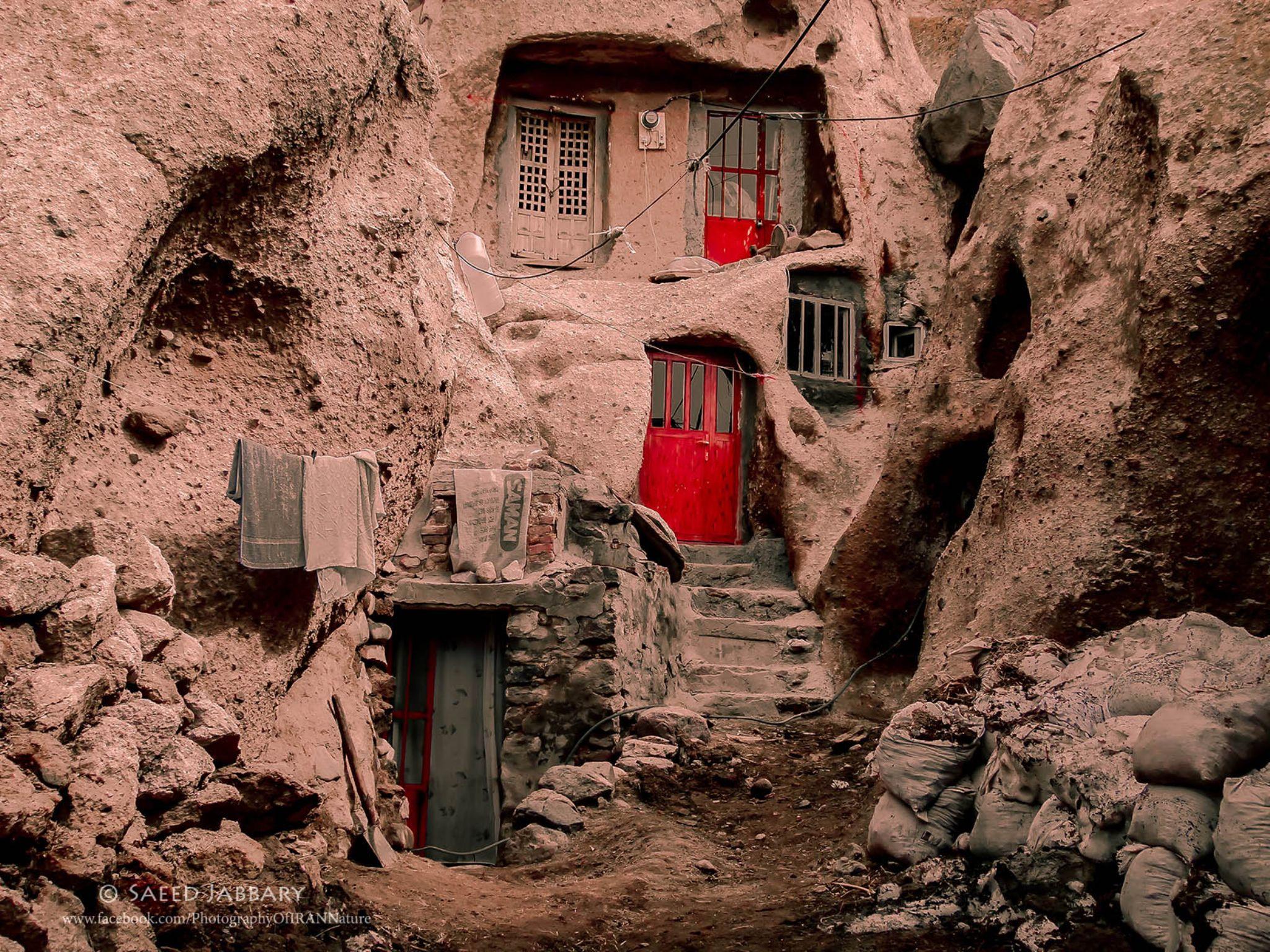 Red doors-Iran-kandovan by Saeed Jabbari