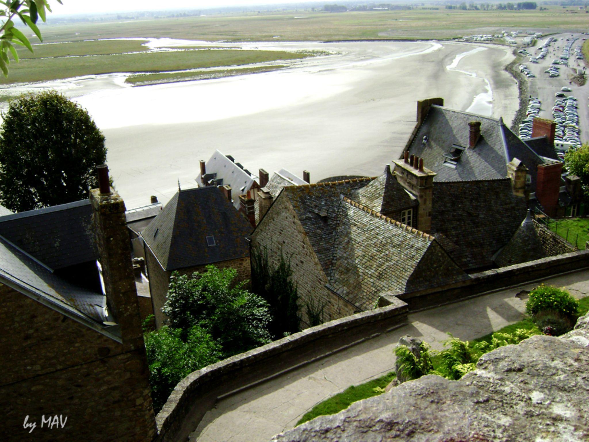 Le Mont Saint Michel by Maria Amelia Photos