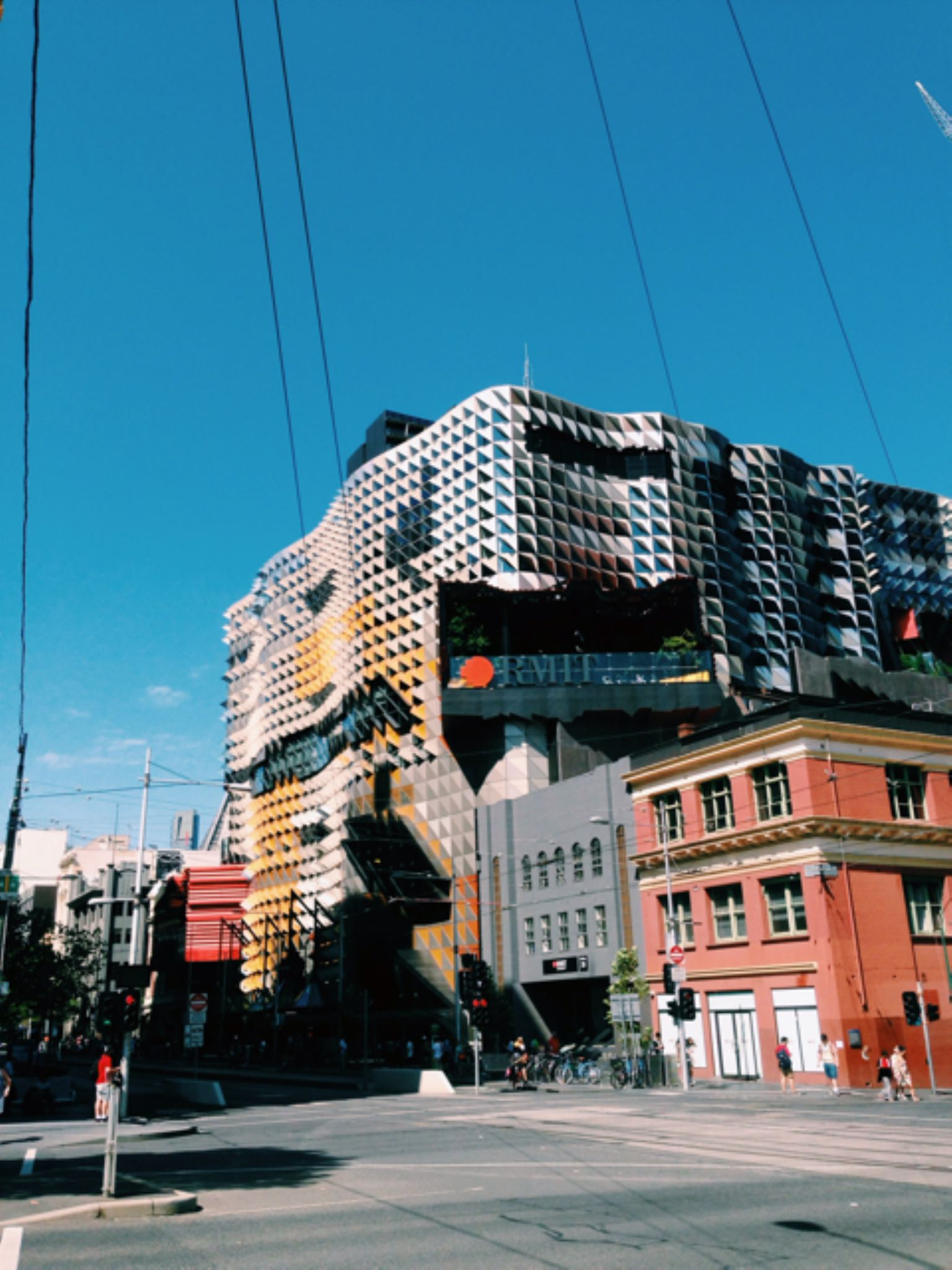 RMIT, Melbourne by cliff.choong