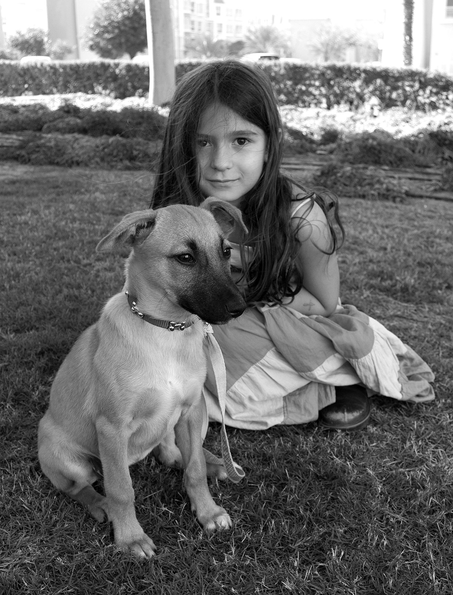 Anna and Bella by Mano Yertanian