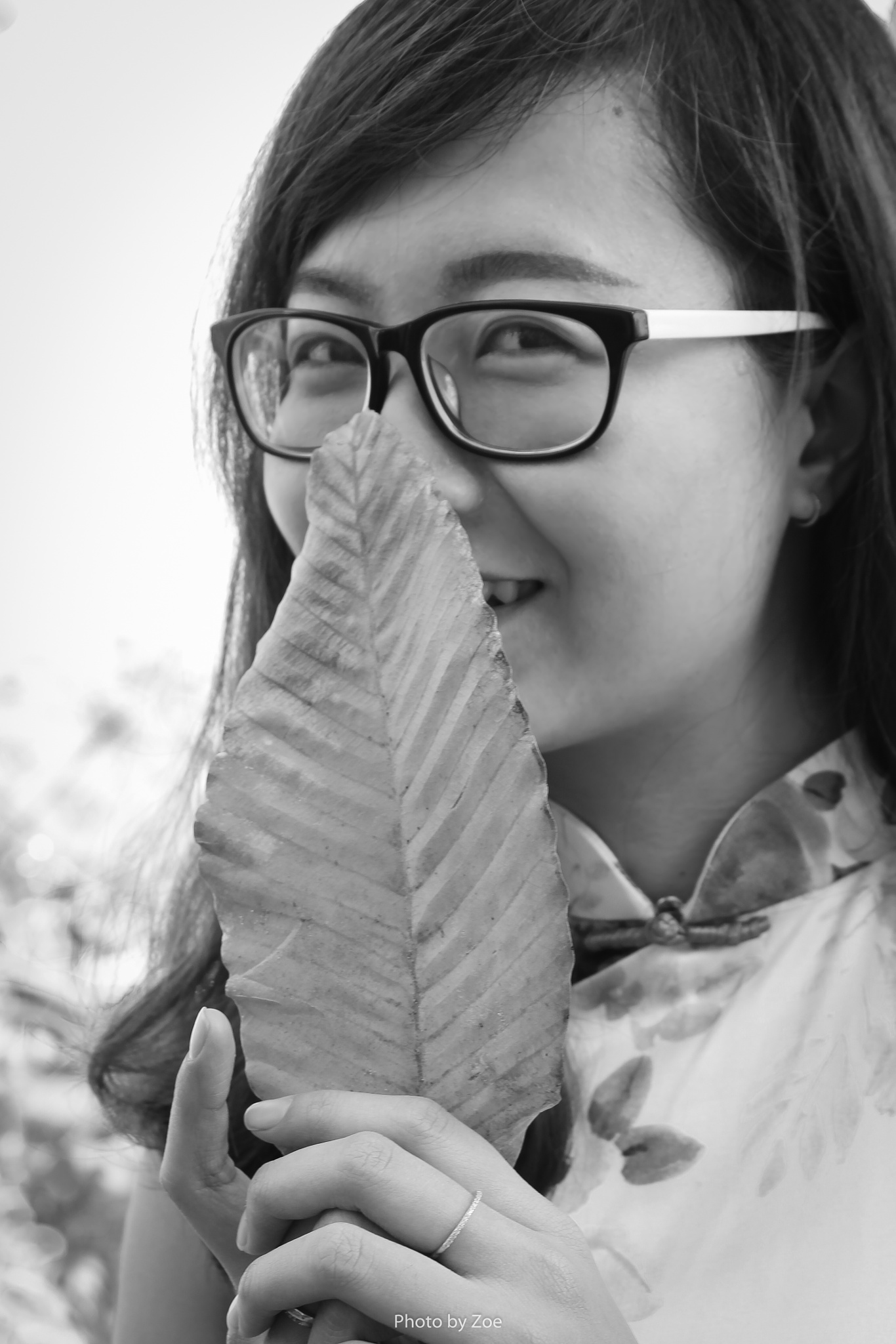 Leaf and she by Zoe