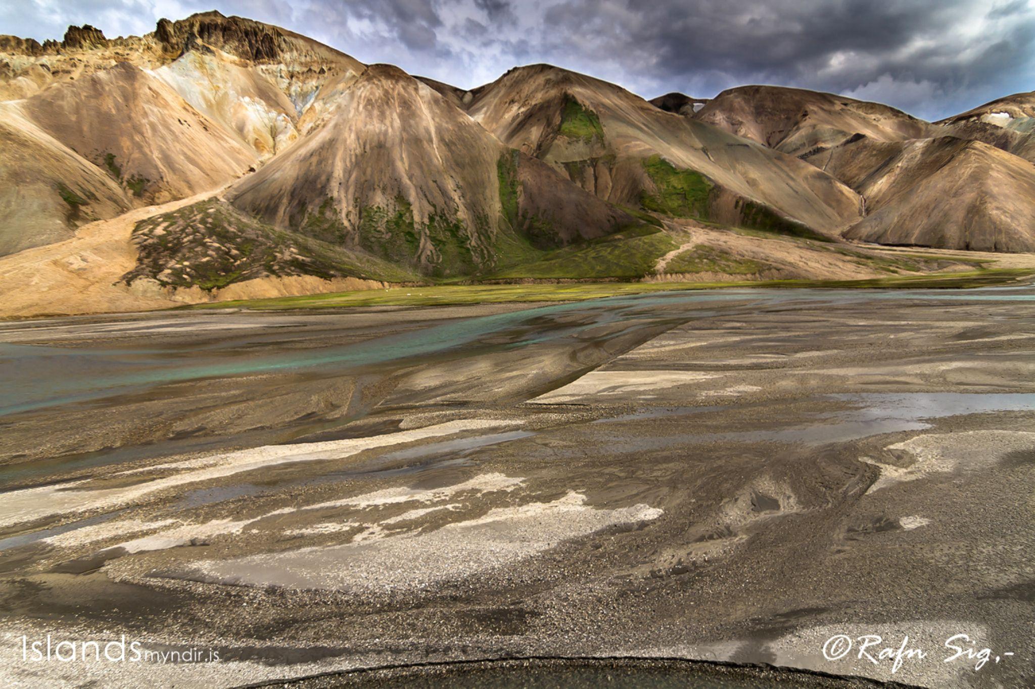 r©Rafn_Sig-5084 by Rafn Sig,-  @ Discover Wild Iceland.com