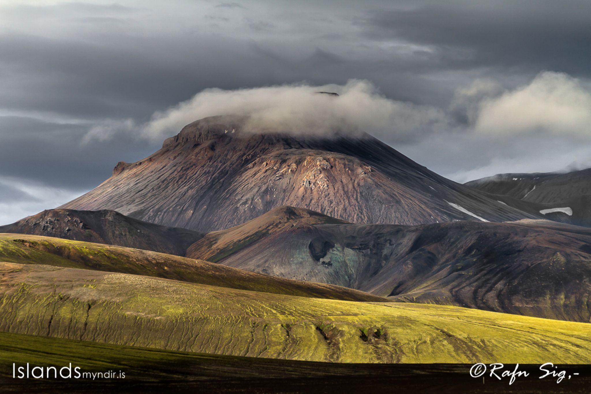 Mountain Stóhöfði in Dómadal – Highland of #Iceland by Rafn Sig,-  @ Discover Wild Iceland.com
