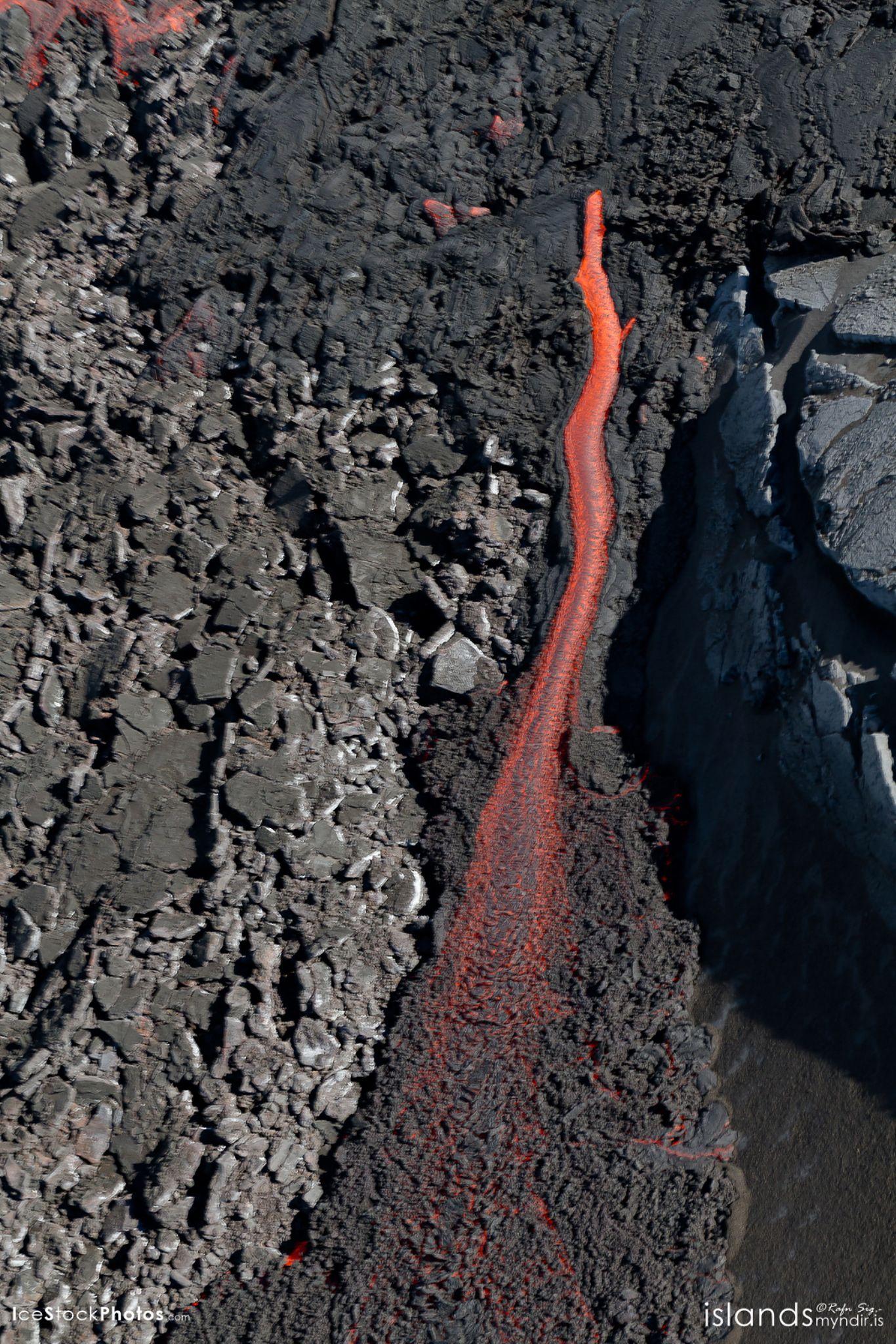 """Lava flow at Holuhraun Eruption"" - #Iceland by Rafn Sig,-  @ Discover Wild Iceland.com"