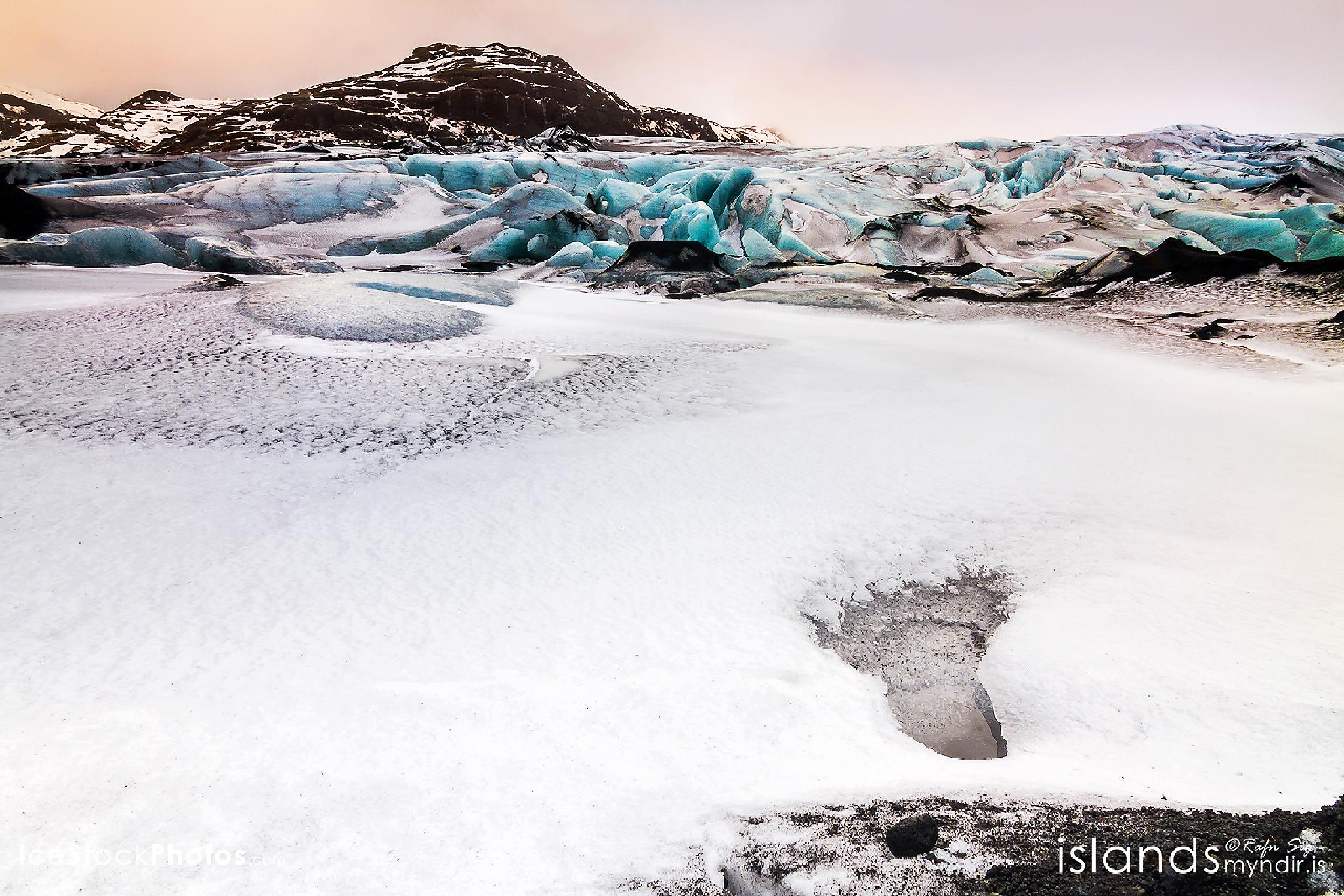 …and then Big Foot passed by - #Iceland by Rafn Sig,-  @ Discover Wild Iceland.com