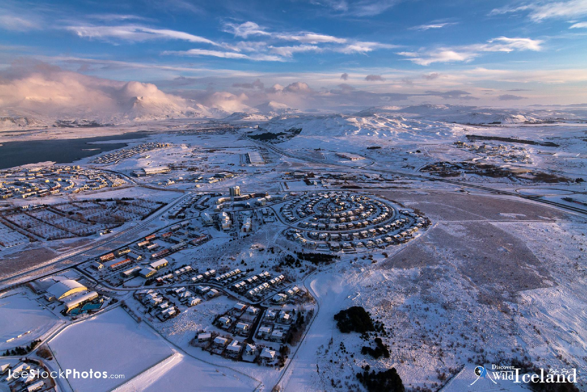 Discover Wild Iceland – Like Reykjavík in winter by Rafn Sig,-  @ Discover Wild Iceland.com