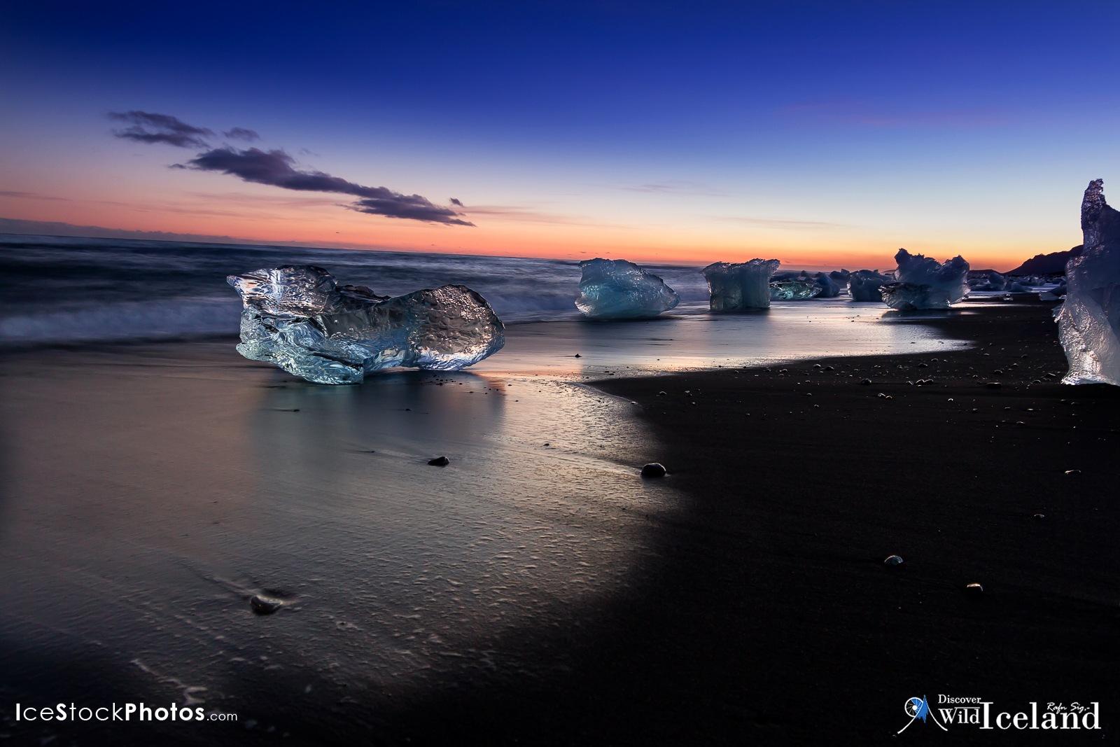 Jökulsárlón beach in the twilight by Rafn Sig,-  @ Discover Wild Iceland.com