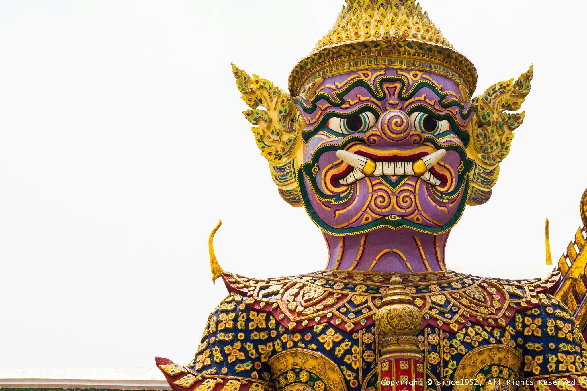 Giant Statues, Wat Phra Kaew  by addynicephotographer