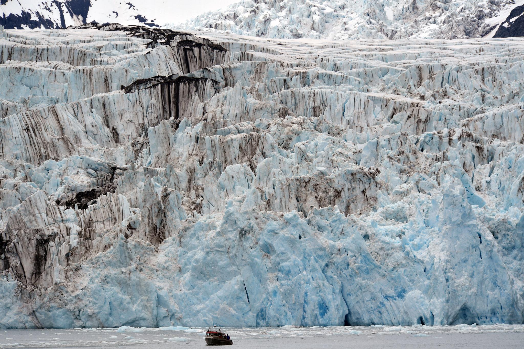 Harvard Glacier, Prince William Sound, Alaska by Chen Te