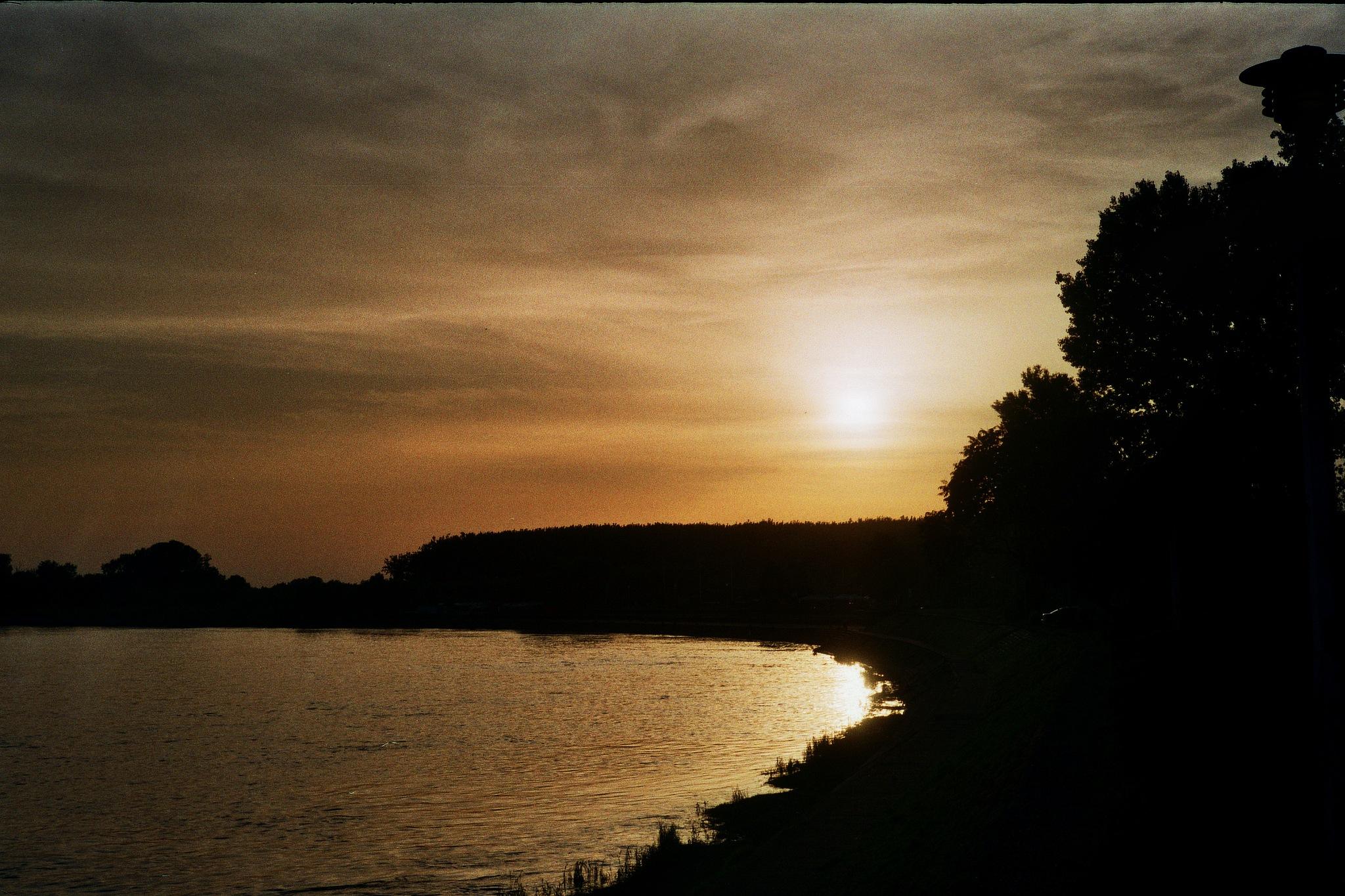 pale sunset by Dino Steiner
