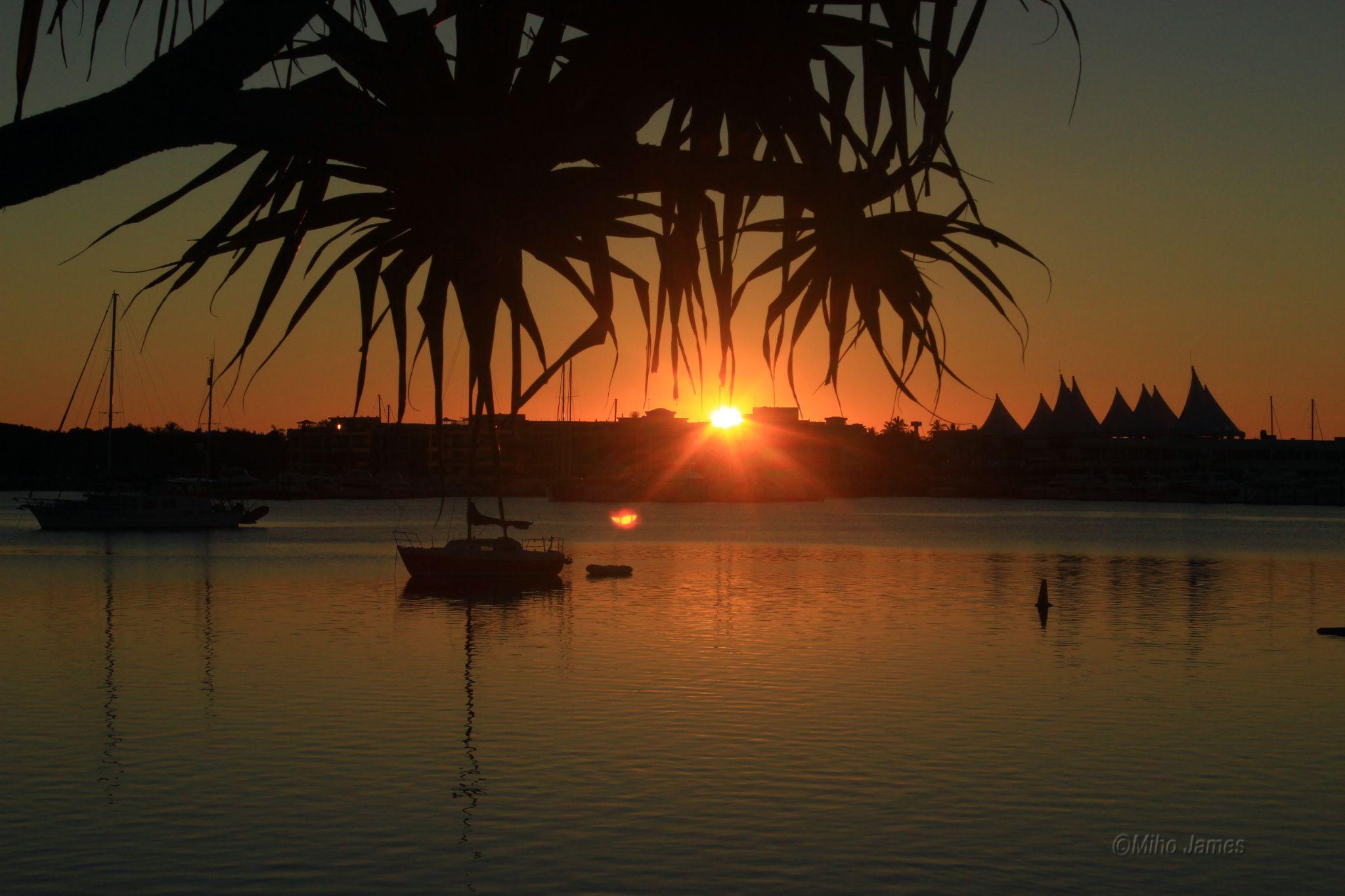 Sunrise in Broadwater, Gold Coast, Australia by miho.james