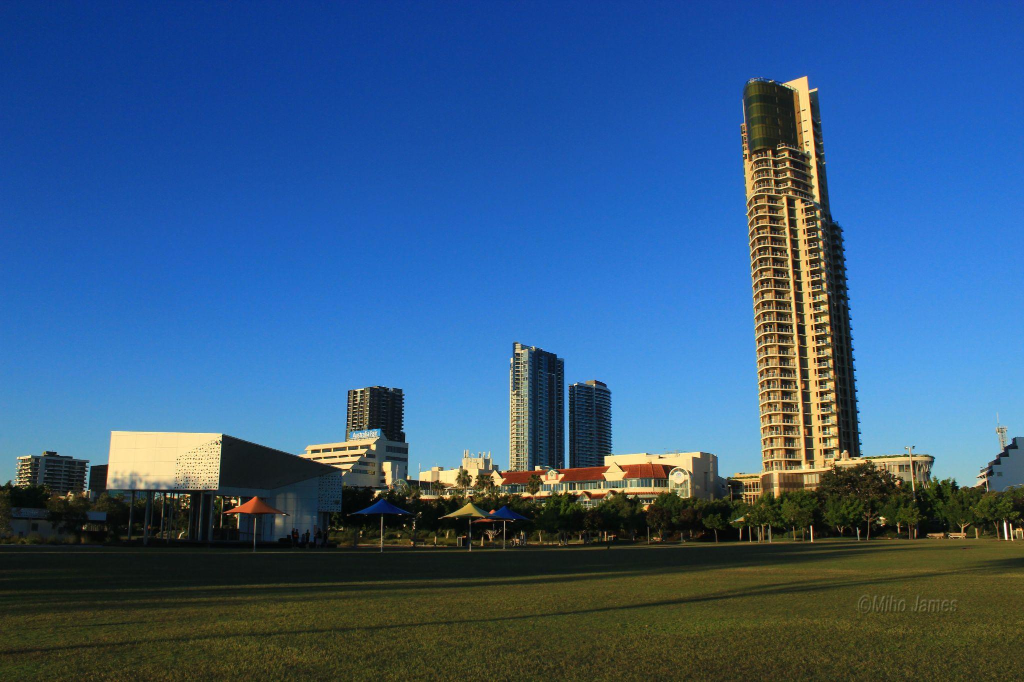 Parkland, Gold Coast, Australia by miho.james