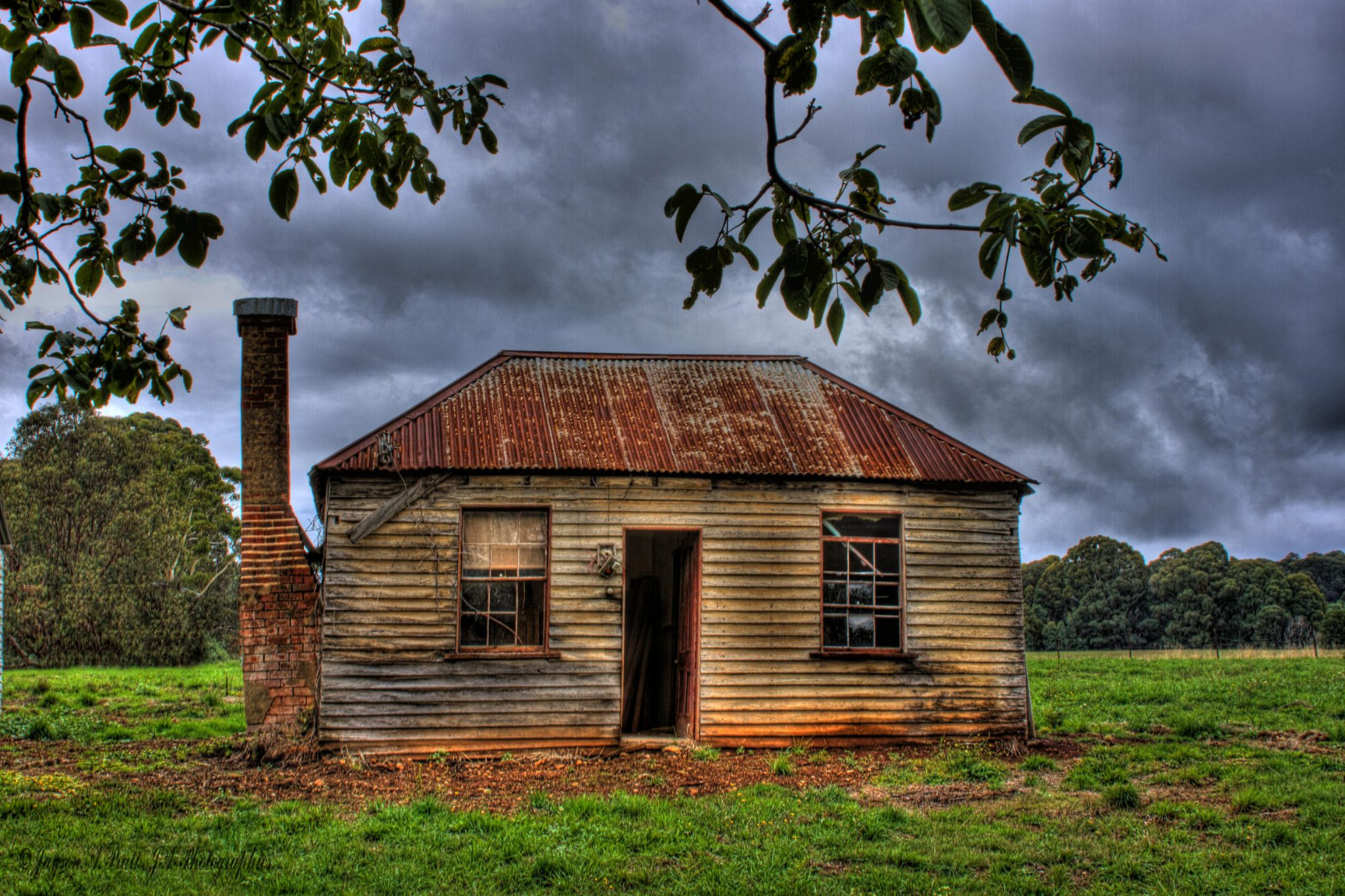 Old Miners hut long forgotten by Jayson Pratt