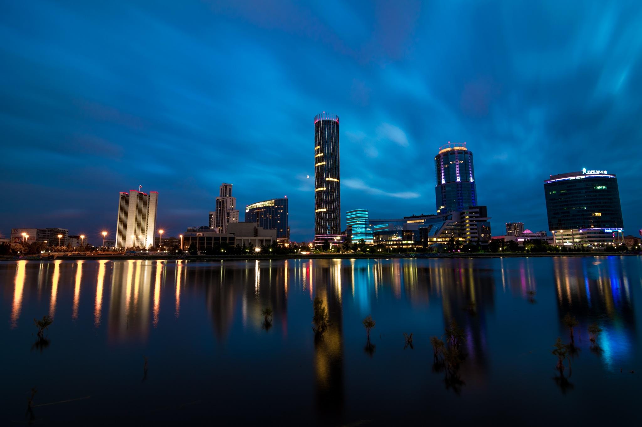 Night cityscape of Yekaterinburg by Sergey Egorov