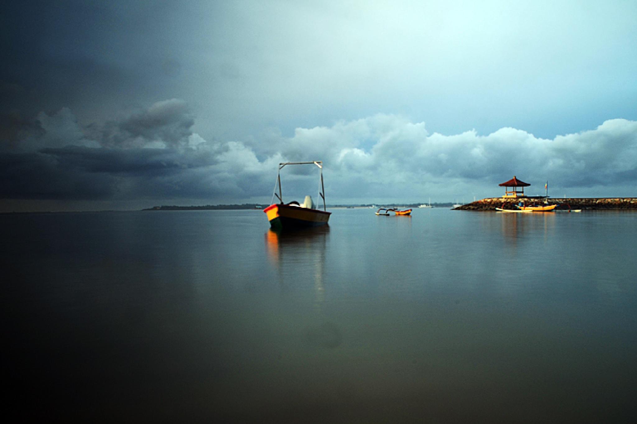 boat by dewaputra