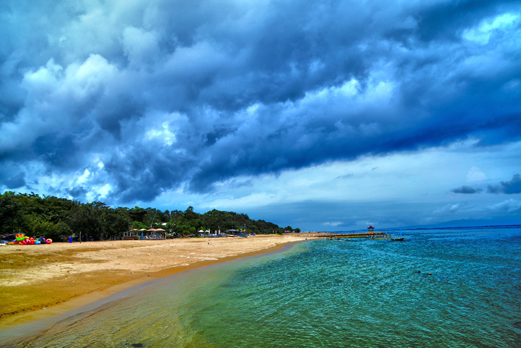 beach by dewaputra