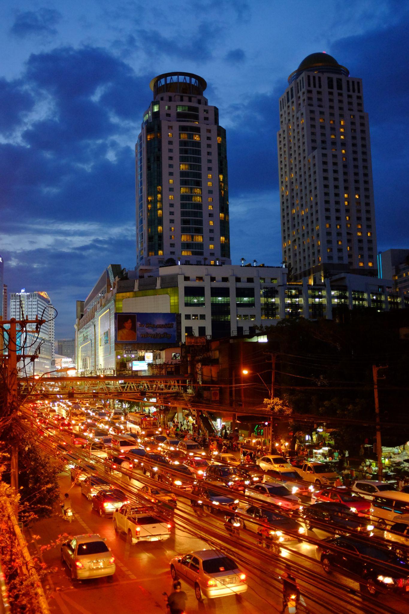 heavy traffic in Bangkok by Victor Kam