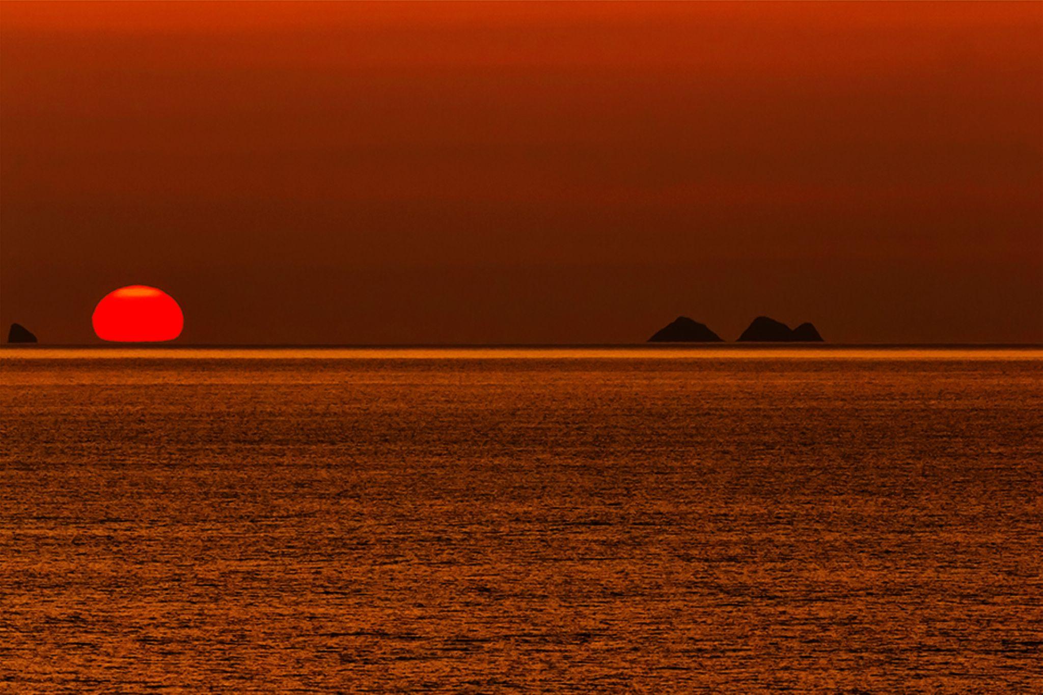 Sunset by Artur Ilkow