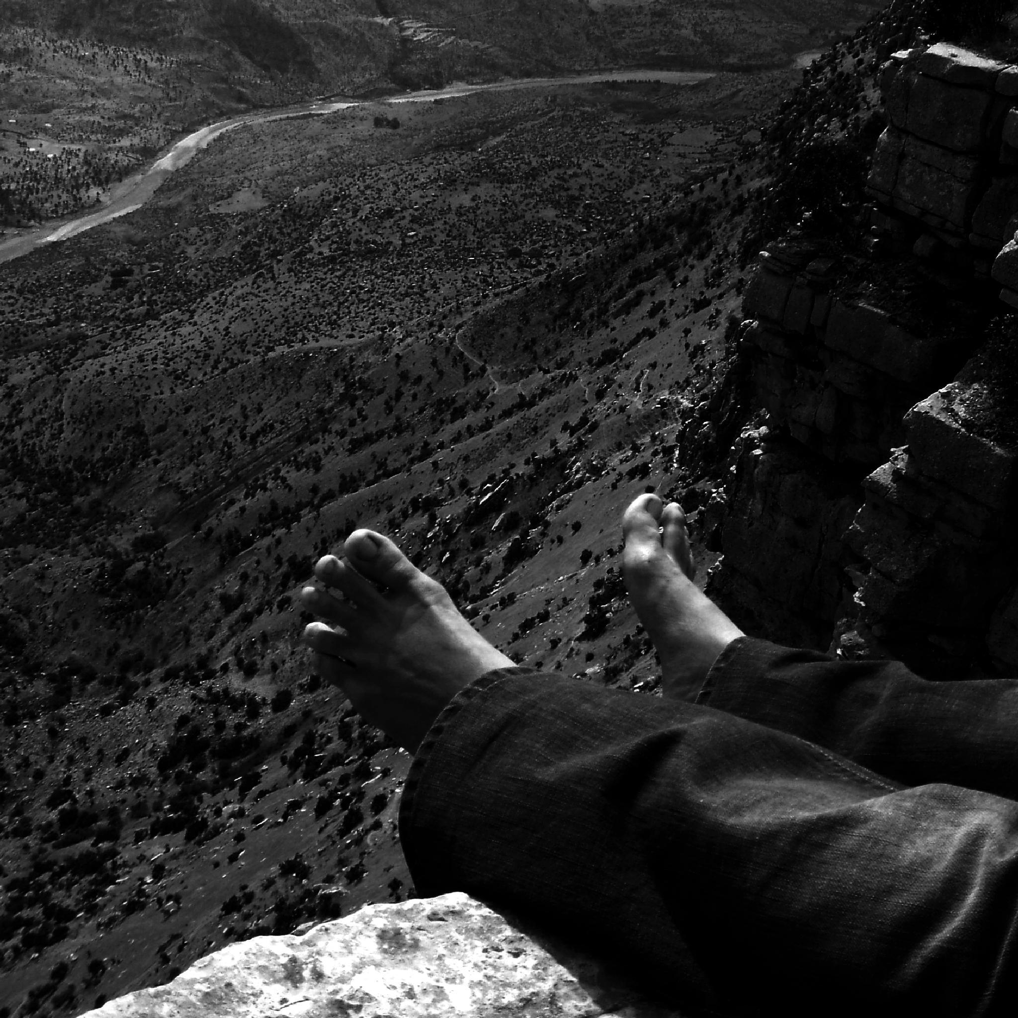 Under my feet by boranfot2