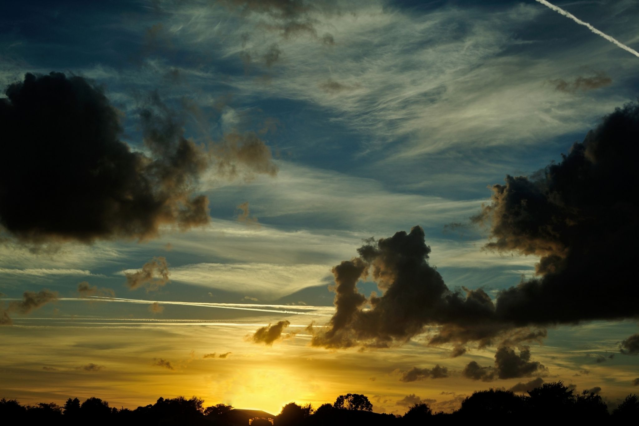 Avant l'orage by redladybird56