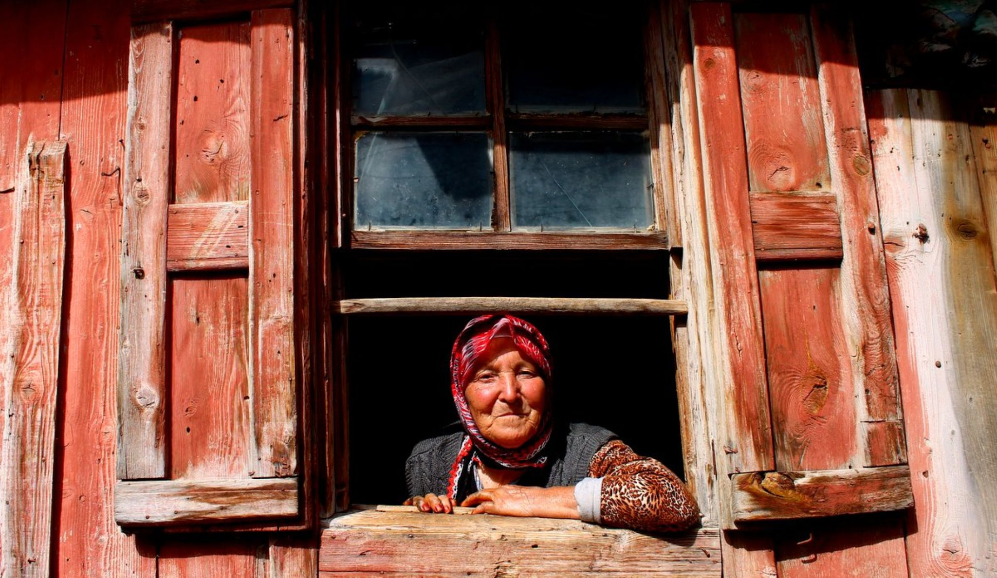 camdan bakmak... by alp.yetimoglu