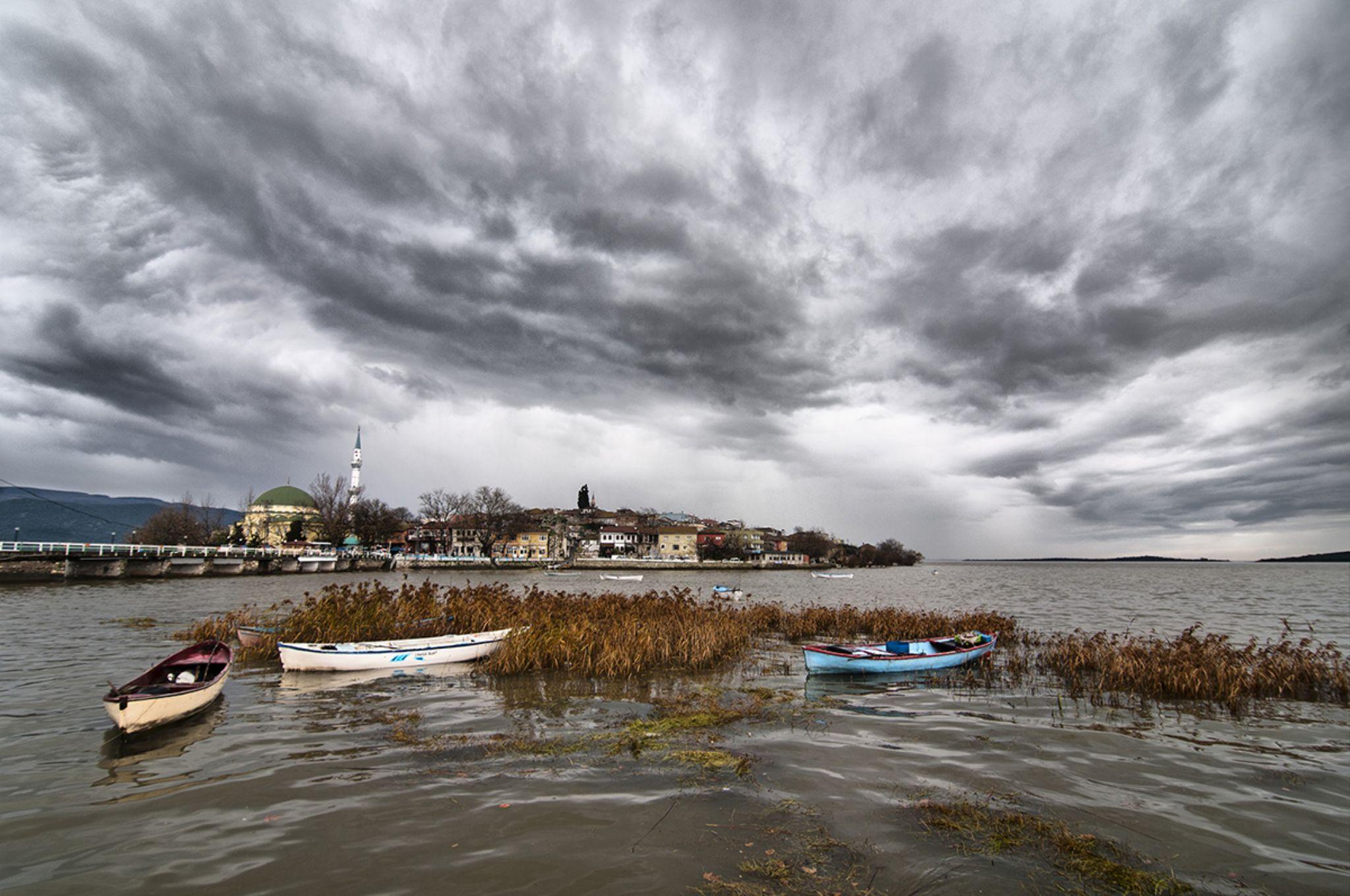 Gölyazı lake by mustafaozdemirphotography