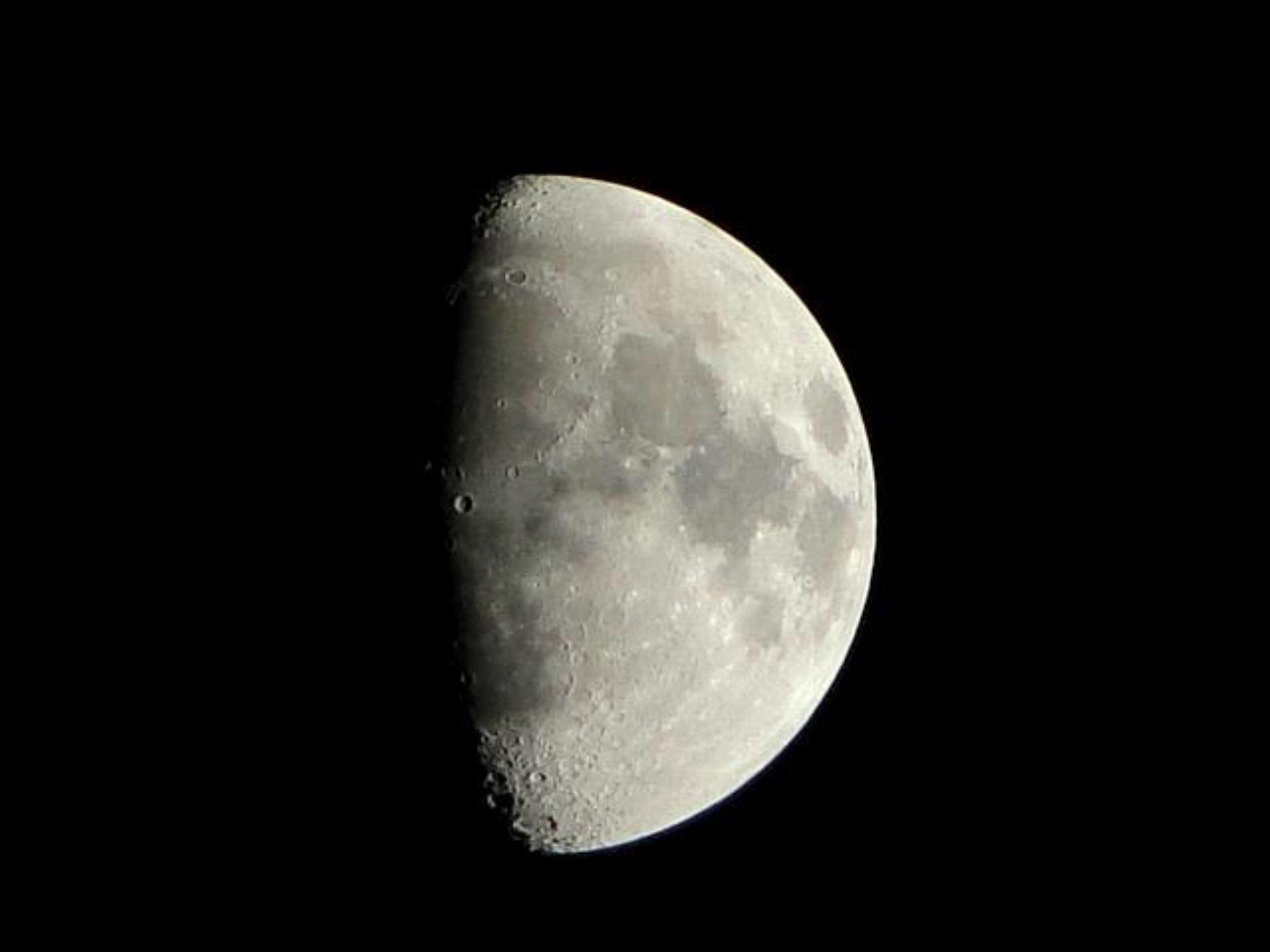 moon by Georginaphotography