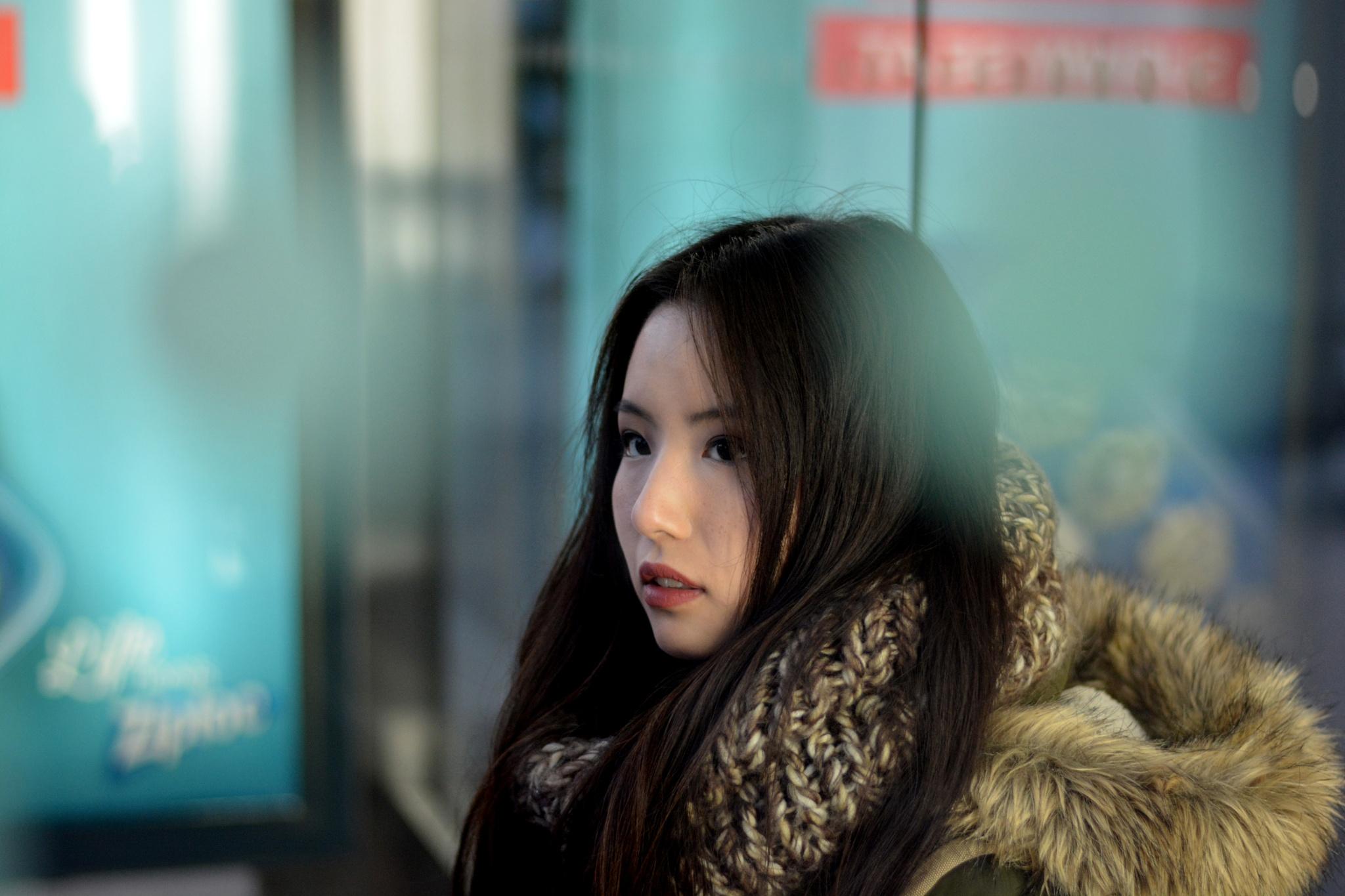 Ah..girl at bus stop by Yoko D