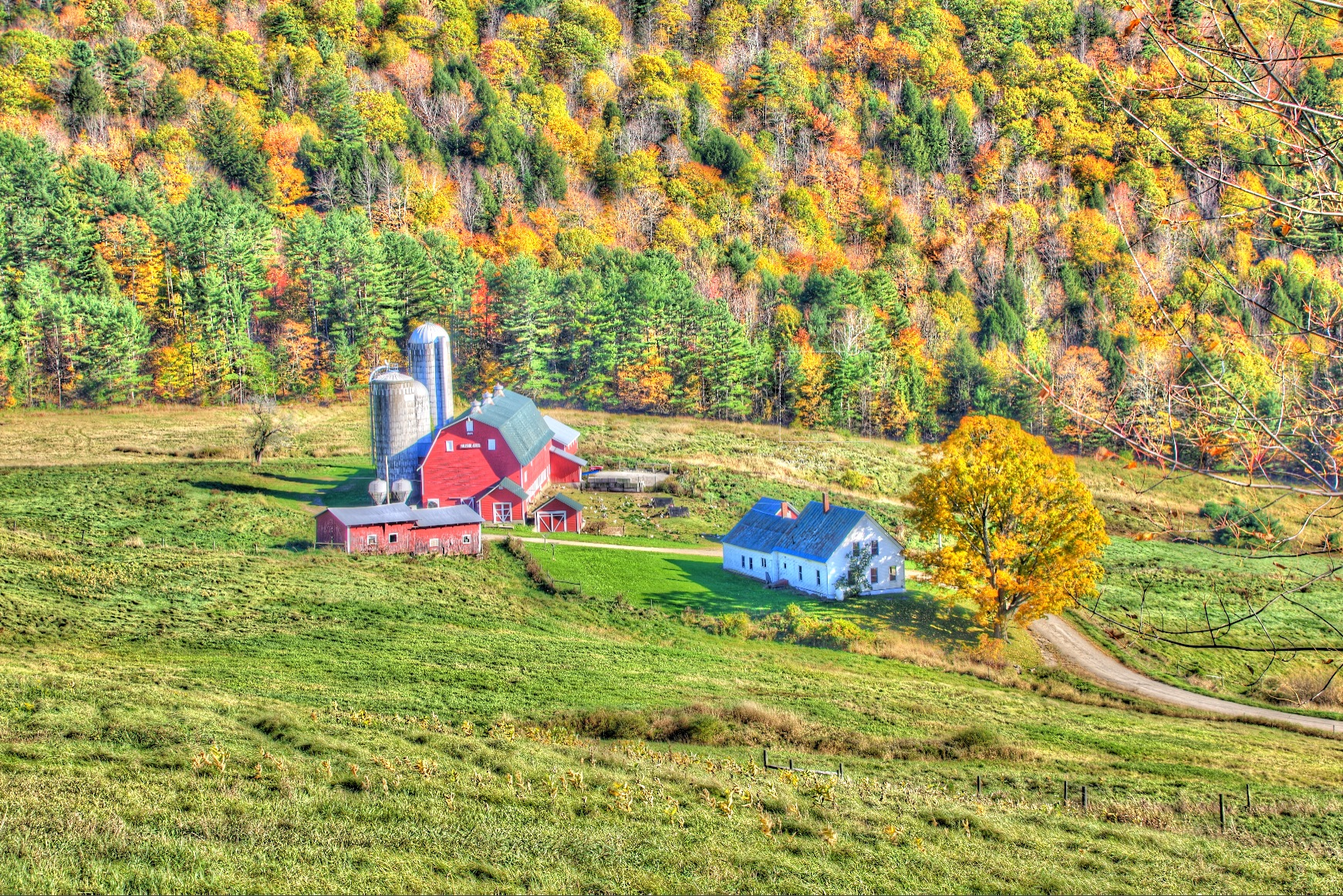 Vermont Barn by philipd63