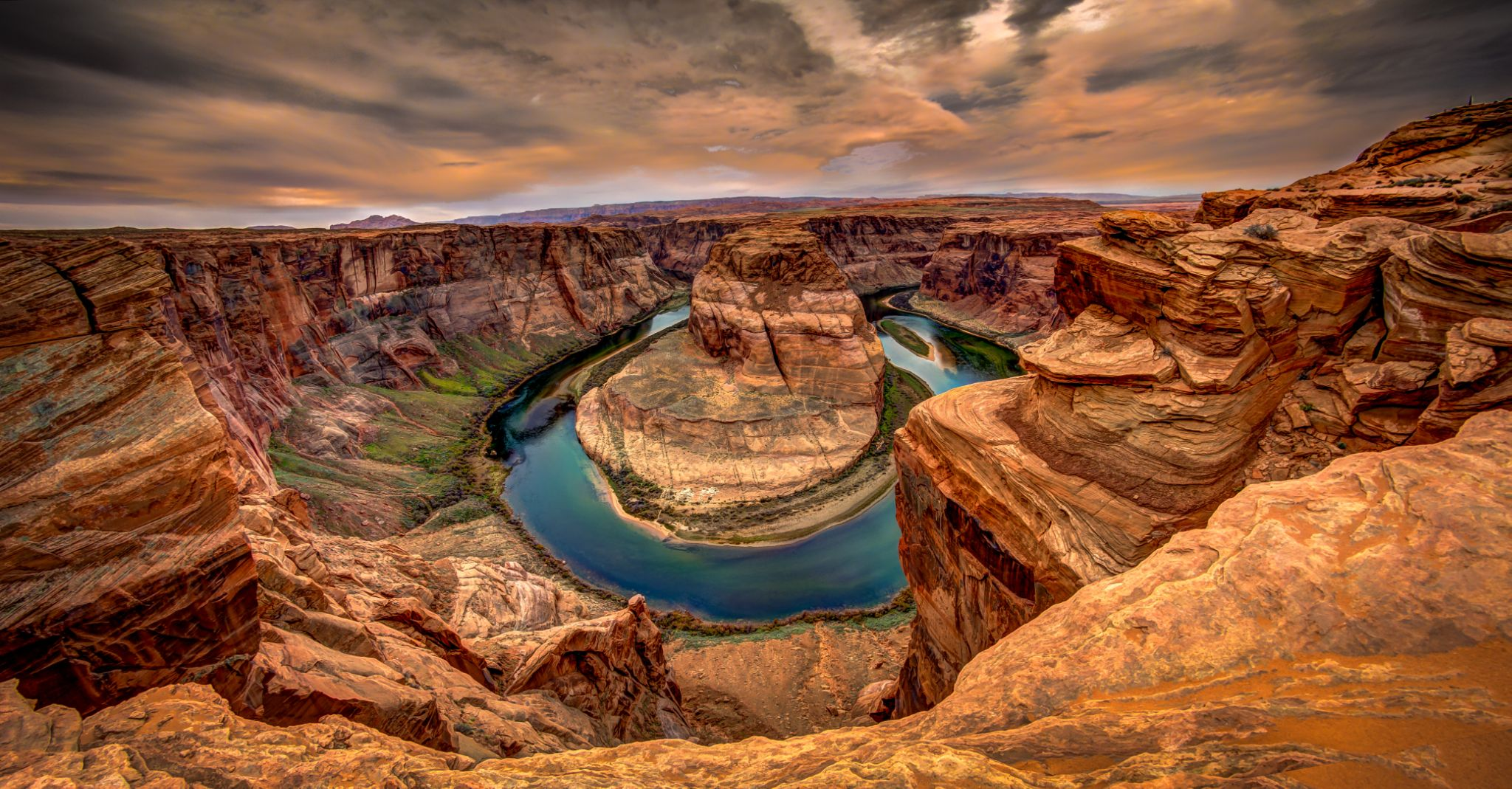 Horseshoe Bend by Victor Martin